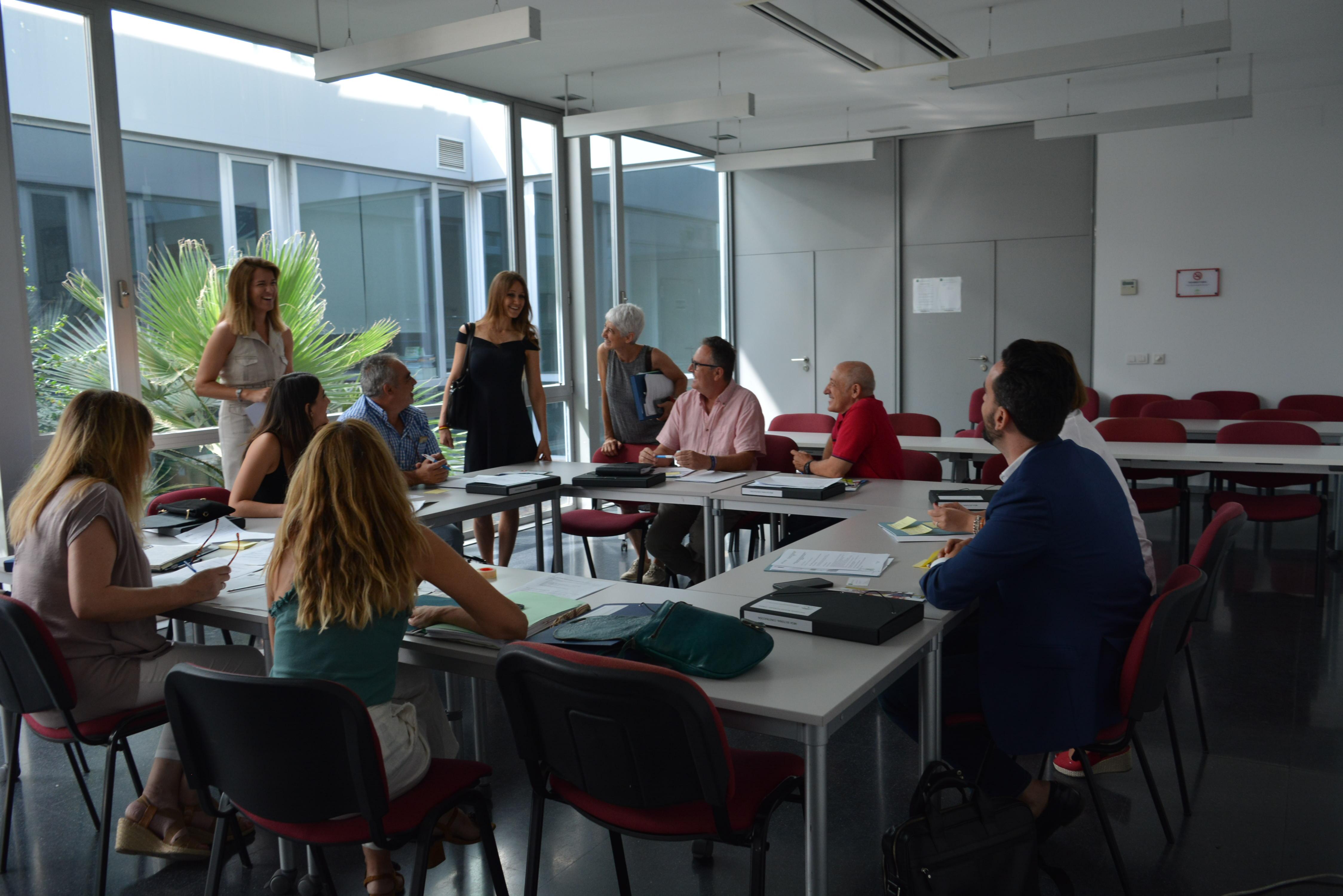 Empleo y agentes económicos y sociales buscan necesidades formativas del tejido productivo de Granada