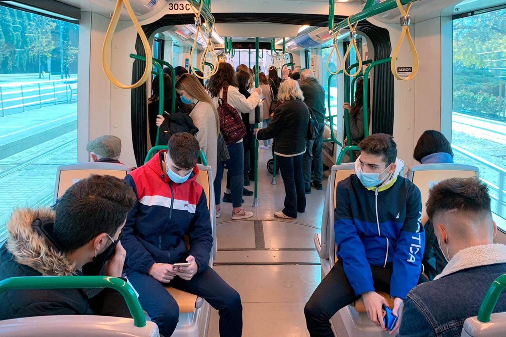 El Metro registra en marzo el primer alza de viajeros desde el inicio del Covid-19