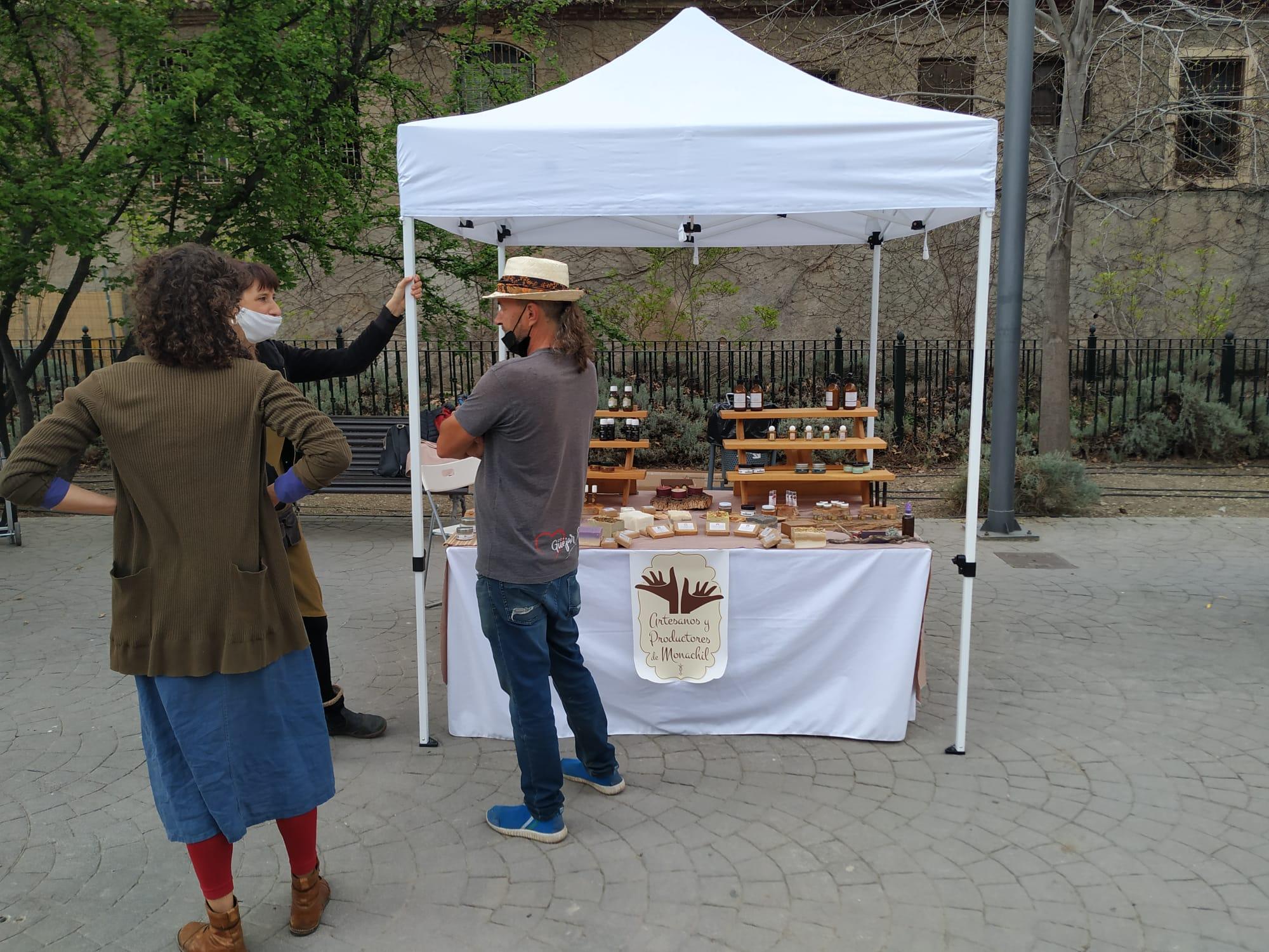 El Mercado de Artesanos de Monachil vuelve a sacar a la calle los mejores productos del municipio