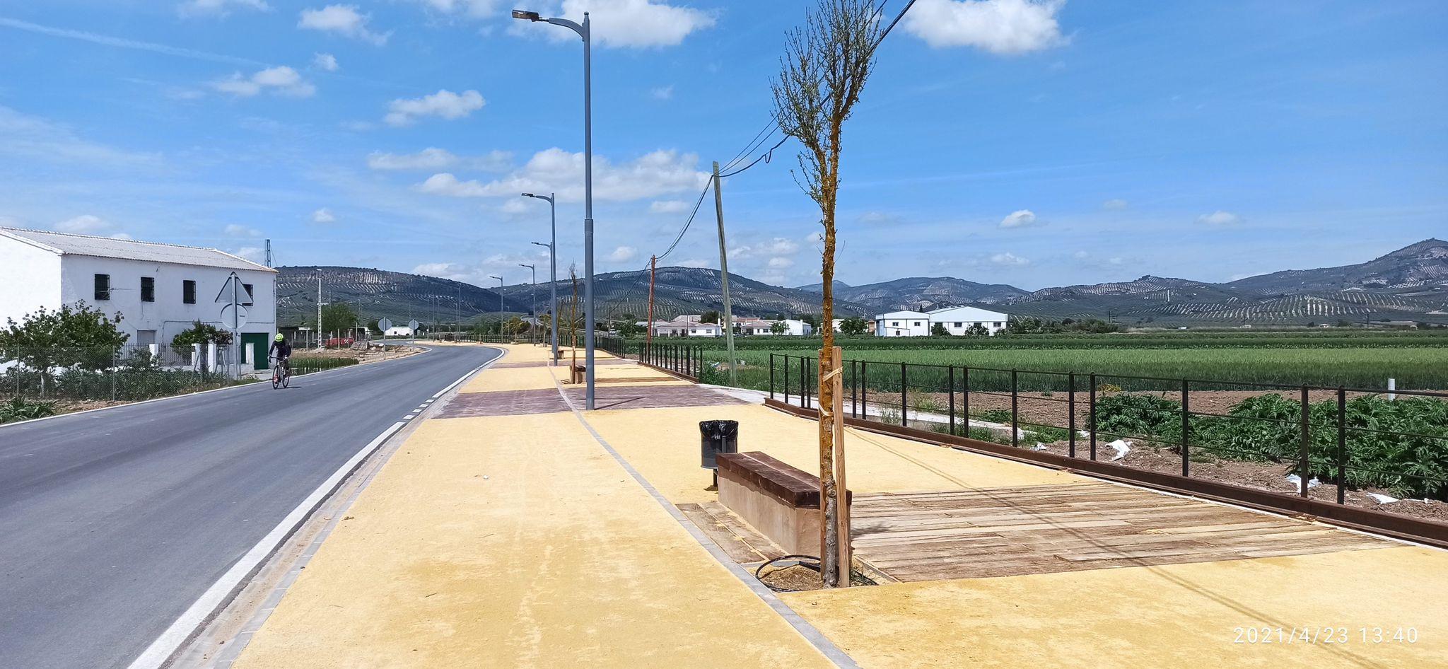 Concluye la reforma del Paseo de la Estación de Huétor Tájar, con mas espacio para peatones y bicis