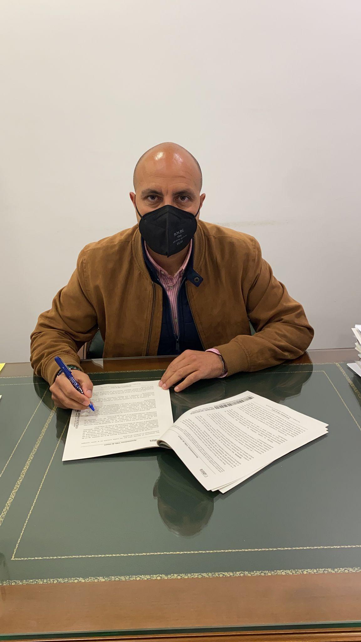El Ayuntamiento de Otura destinará la mitad de sus remanentes, más de 1,3 millones de euros, a sanear déficit y deuda heredada del PP