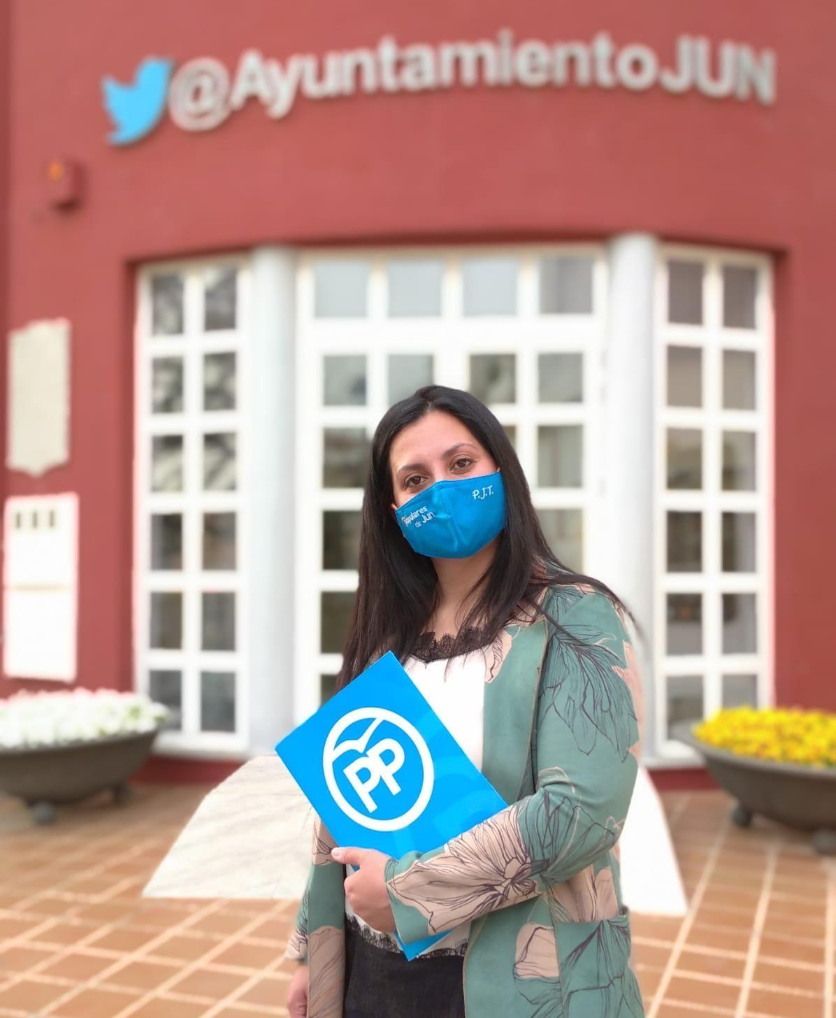 El PP denuncia que el Ayuntamiento de Jun paga un seguro médico para la alcaldesa y concejales de gobierno