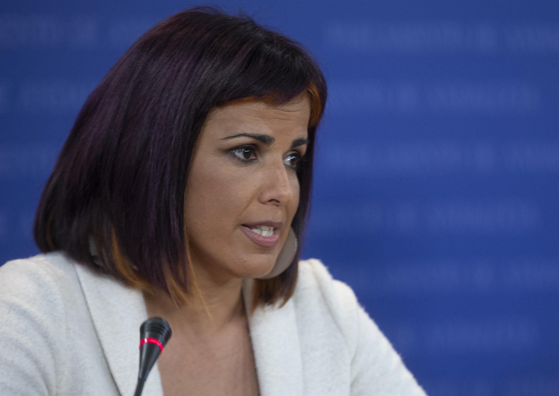 Teresa Rodríguez critica a la Junta su «convidá fiscal para ricos» que merma ingresos