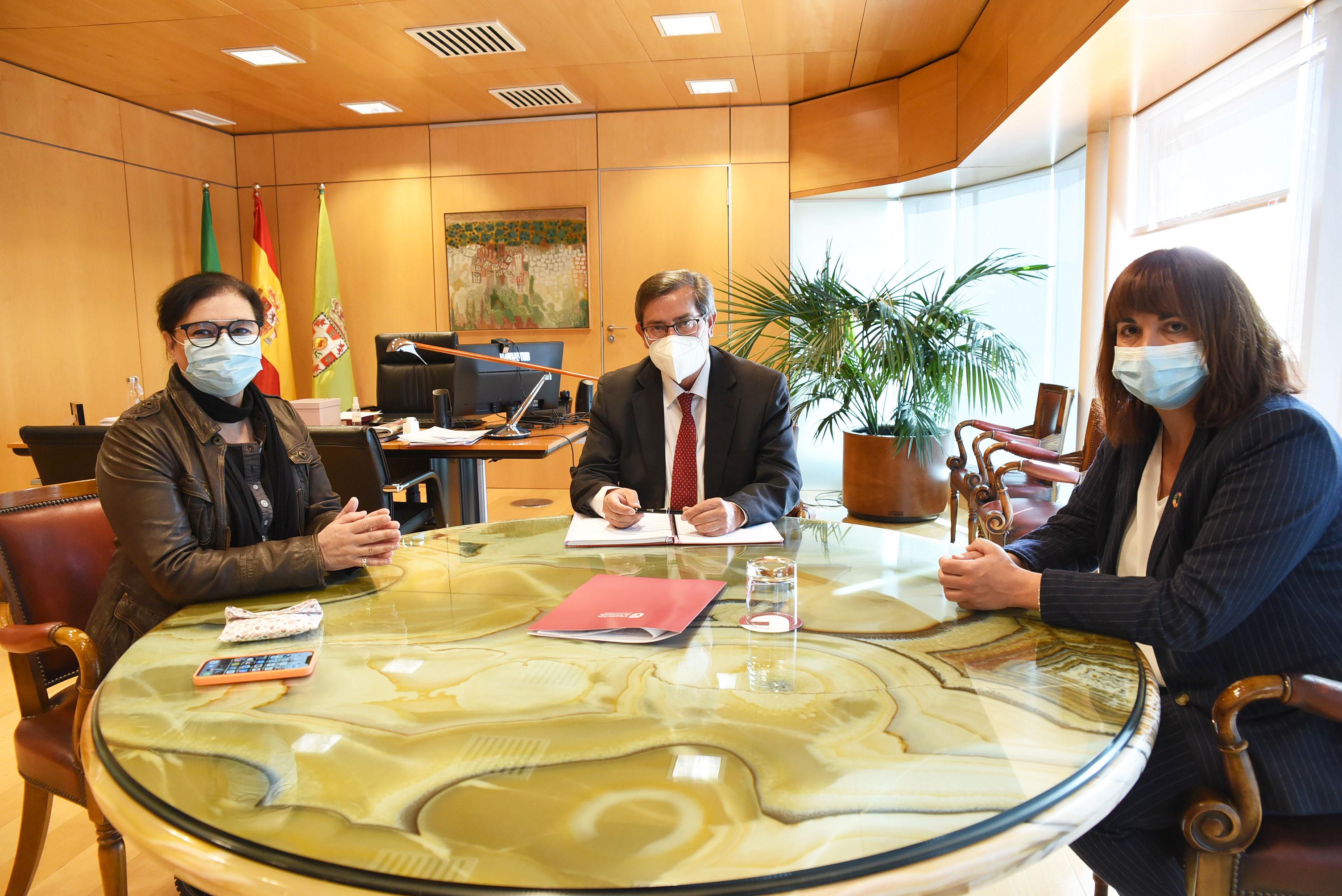 Diputación y Asogra preparan la celebración del Día Nacional de las Lenguas de Signos Españolas