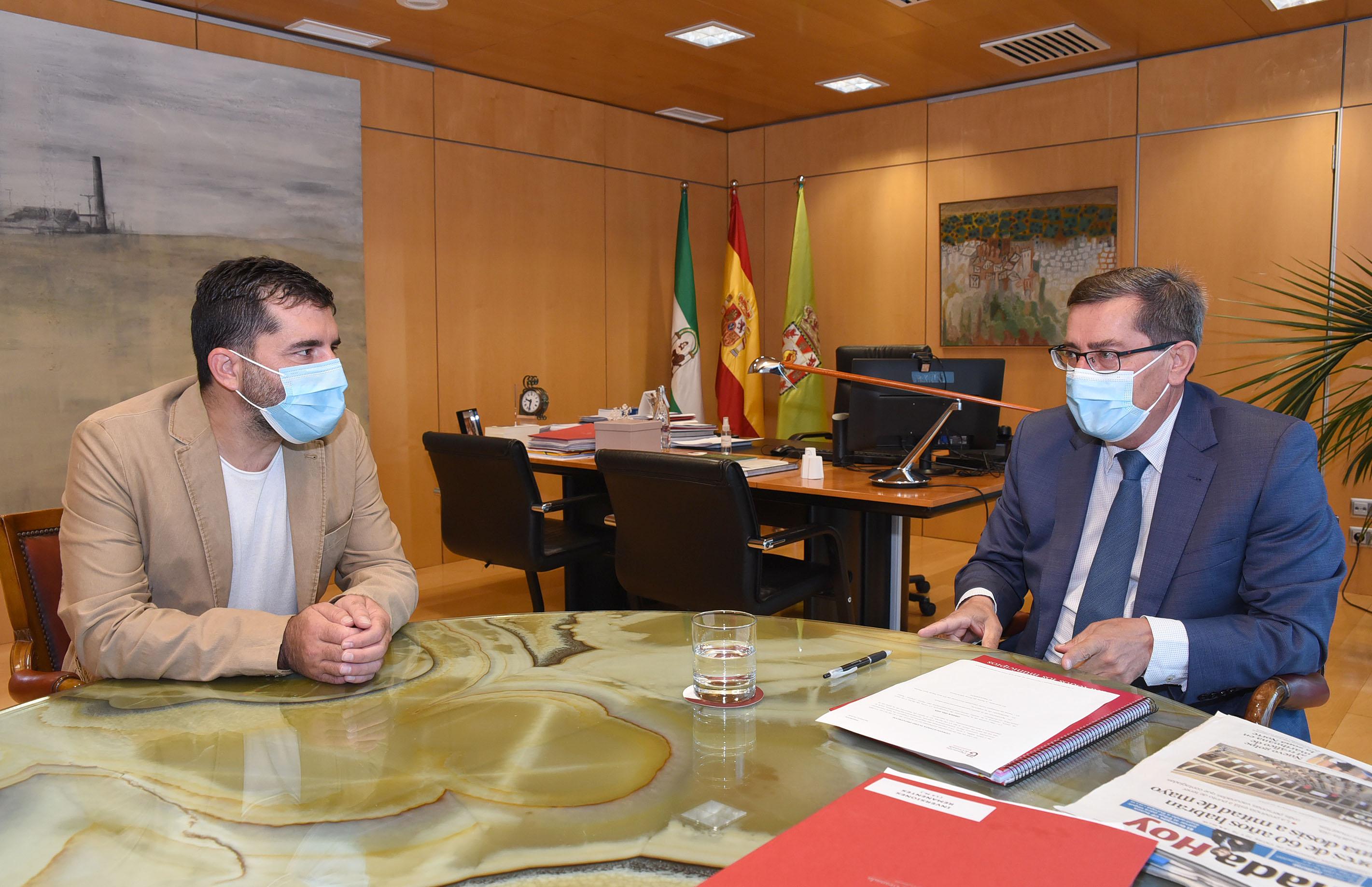Entrena recibe al nuevo secretario general de CCOO en Granada, Daniel Mesa