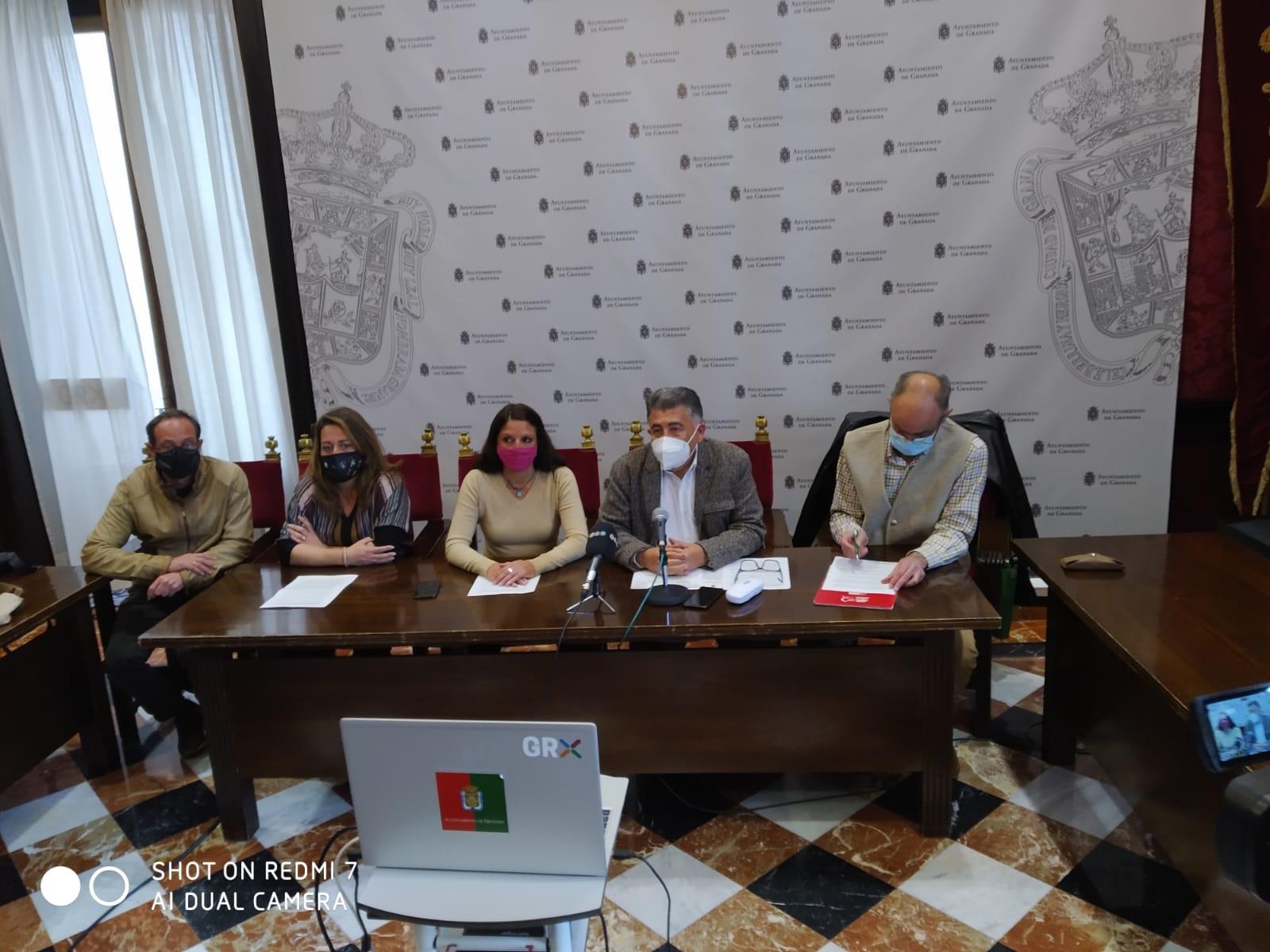 Defensor de la Ciudadanía y sindicatos analizan la situación de los servicios sociales municipales