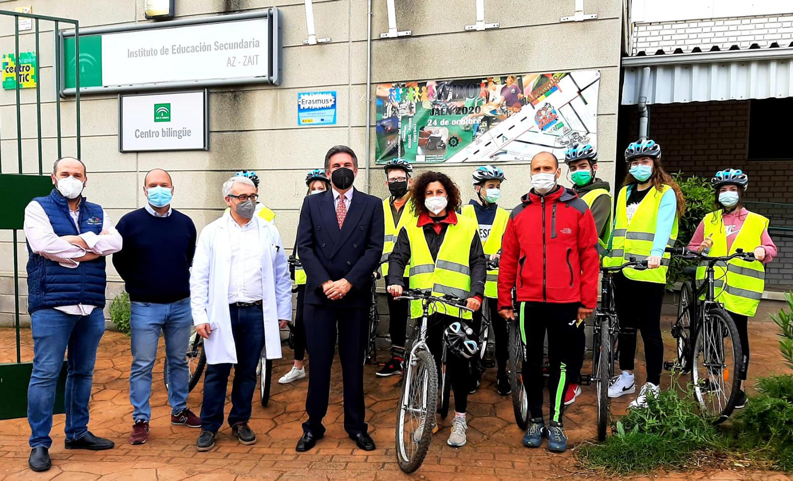 Investigadores de la UGR forman a estudiantes de Secundaria en el uso de la bici como transporte saludable