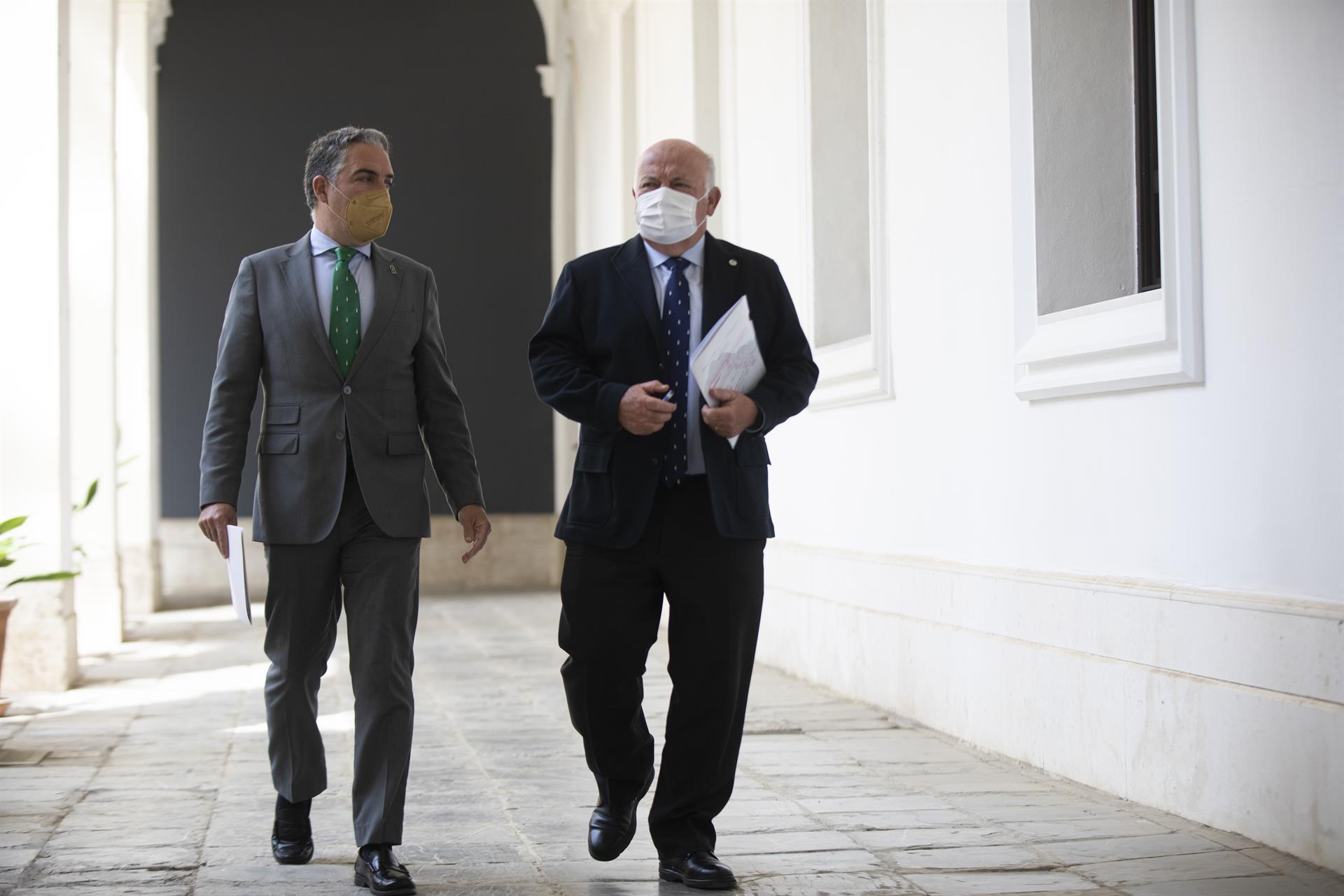 Andalucía apuesta por la «compra centralizada» de vacunas frente a Madrid y por la «lealtad institucional»