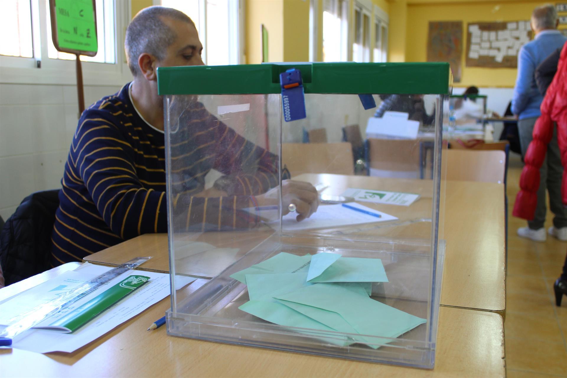Más del 70 por ciento de los andaluces rechaza un adelanto de las elecciones autonómicas