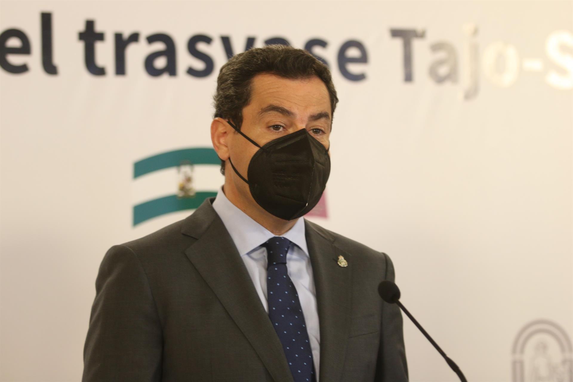 Moreno expresa el «miedo» que produce tener Covid y pide a los andaluces mucha prudencia y que no se relajen