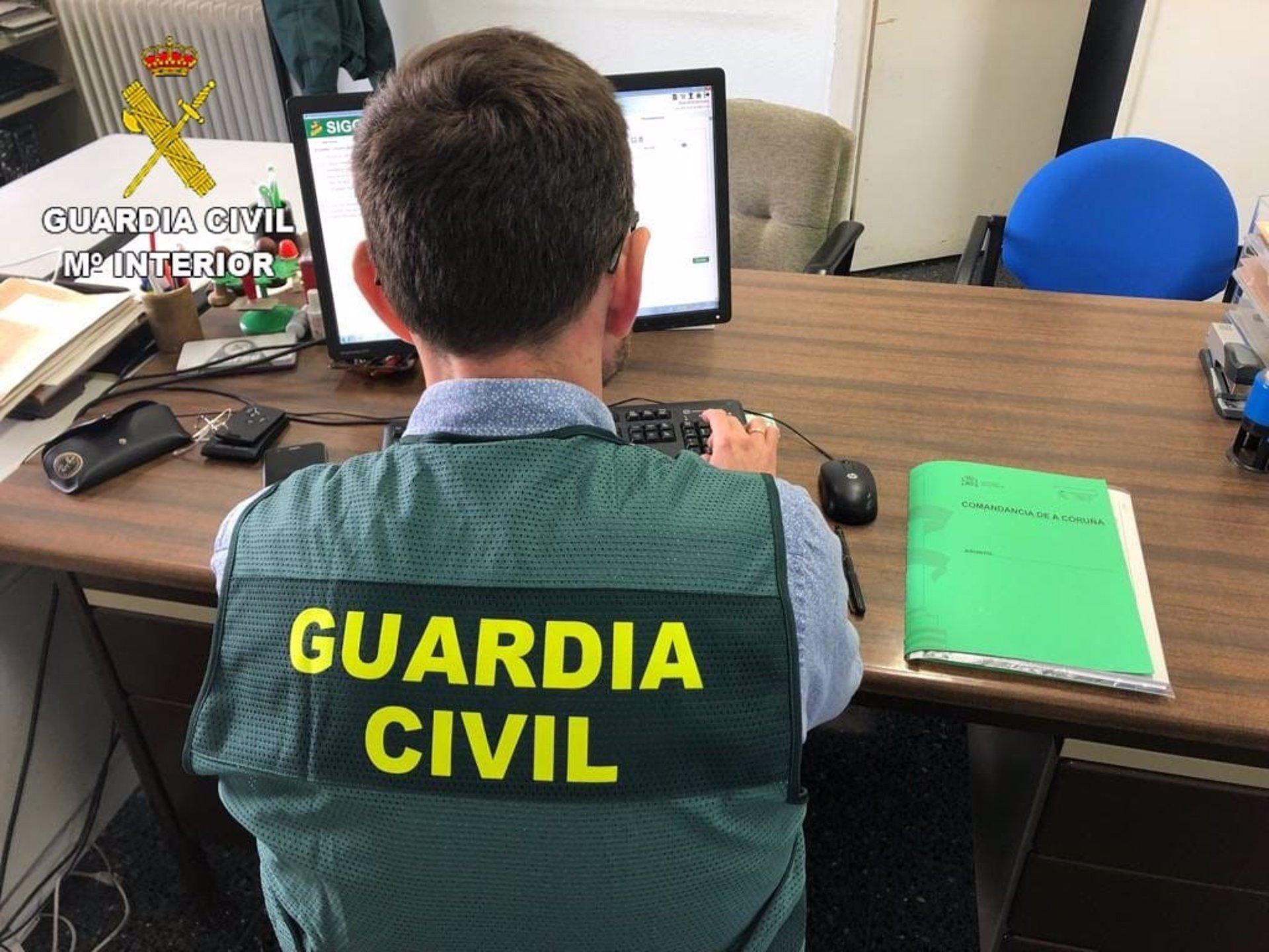 La Guardia Civil investiga a un joven acusado de tratar de enviar medio kilo de hachís por correo
