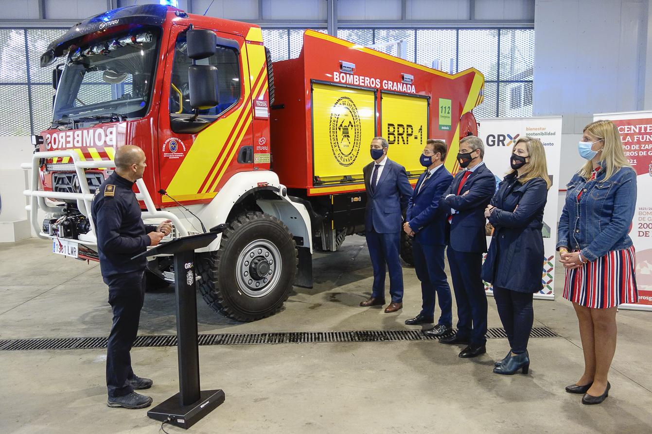 Los Bomberos de Granada cuentan con dos nuevos vehículos especiales para zonas forestales