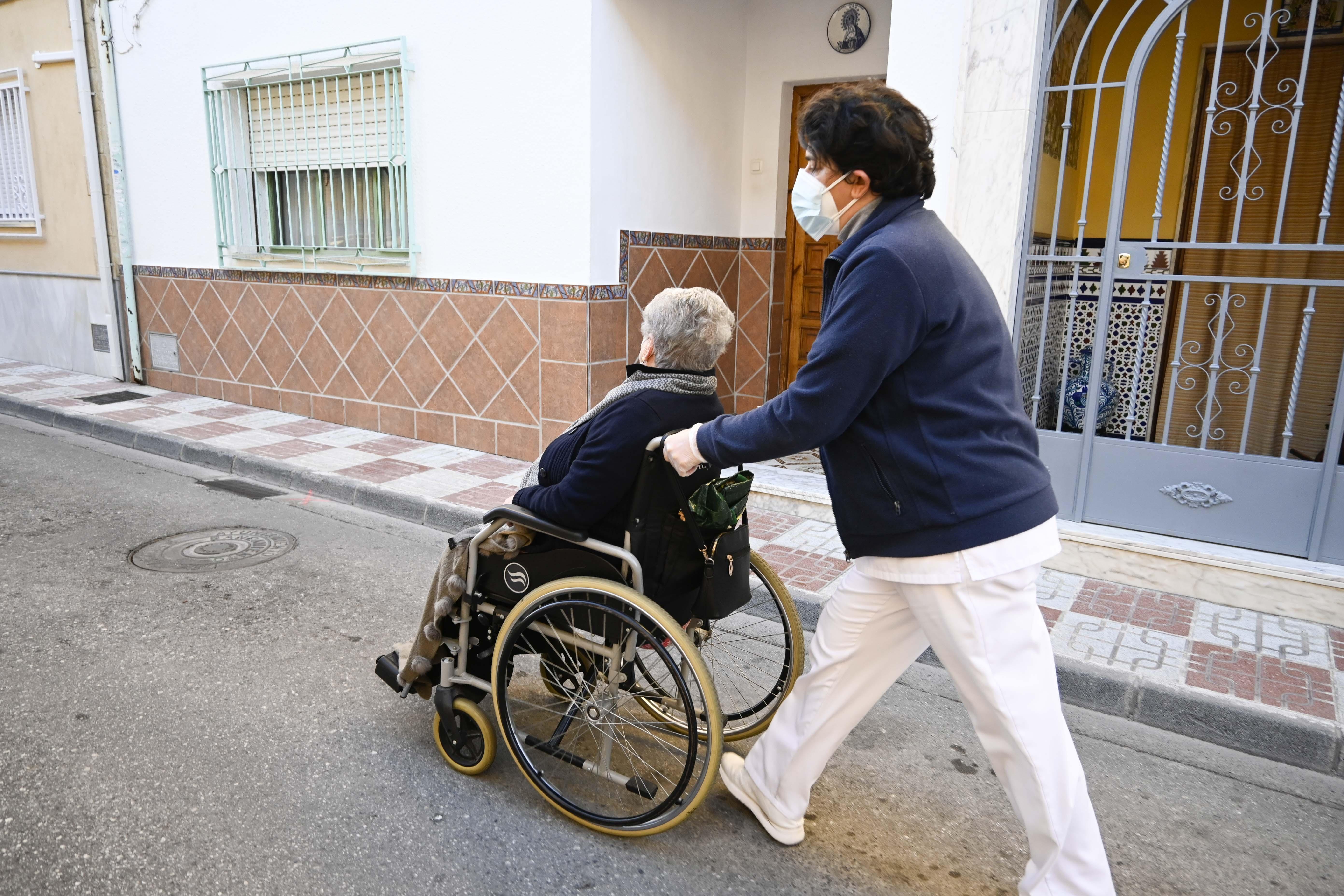 PP y Cs de Armilla votan en contra de una moción para aumentar el precio/hora a las trabajadoras del servicio de Ayuda a Domicilio