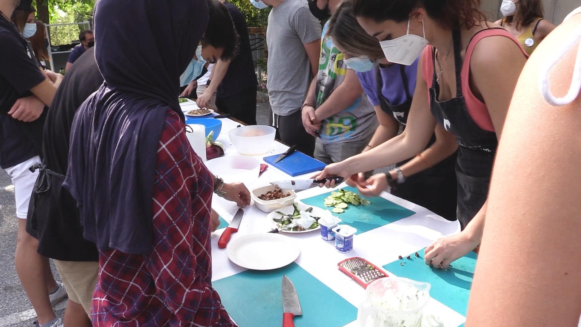 La Universidad de Granada enseña a sus estudiantes a cocinar de manera saludable