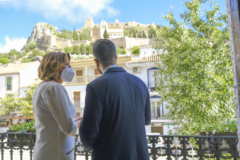 Susana Díaz exige al Gobierno andaluz doblar el presupuesto para los planes de empleo de la iniciativa Aire