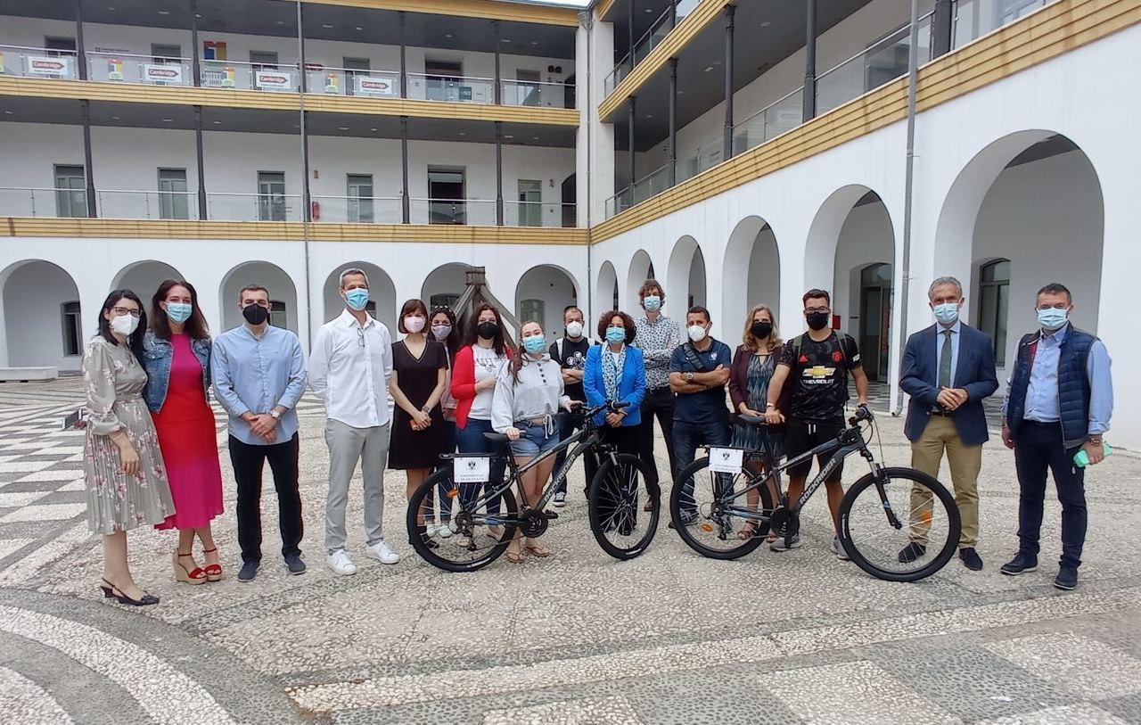 La rectora de la UGR, Pilar Aranda, visita el Campus de Ceuta por el Día de la Enfermería