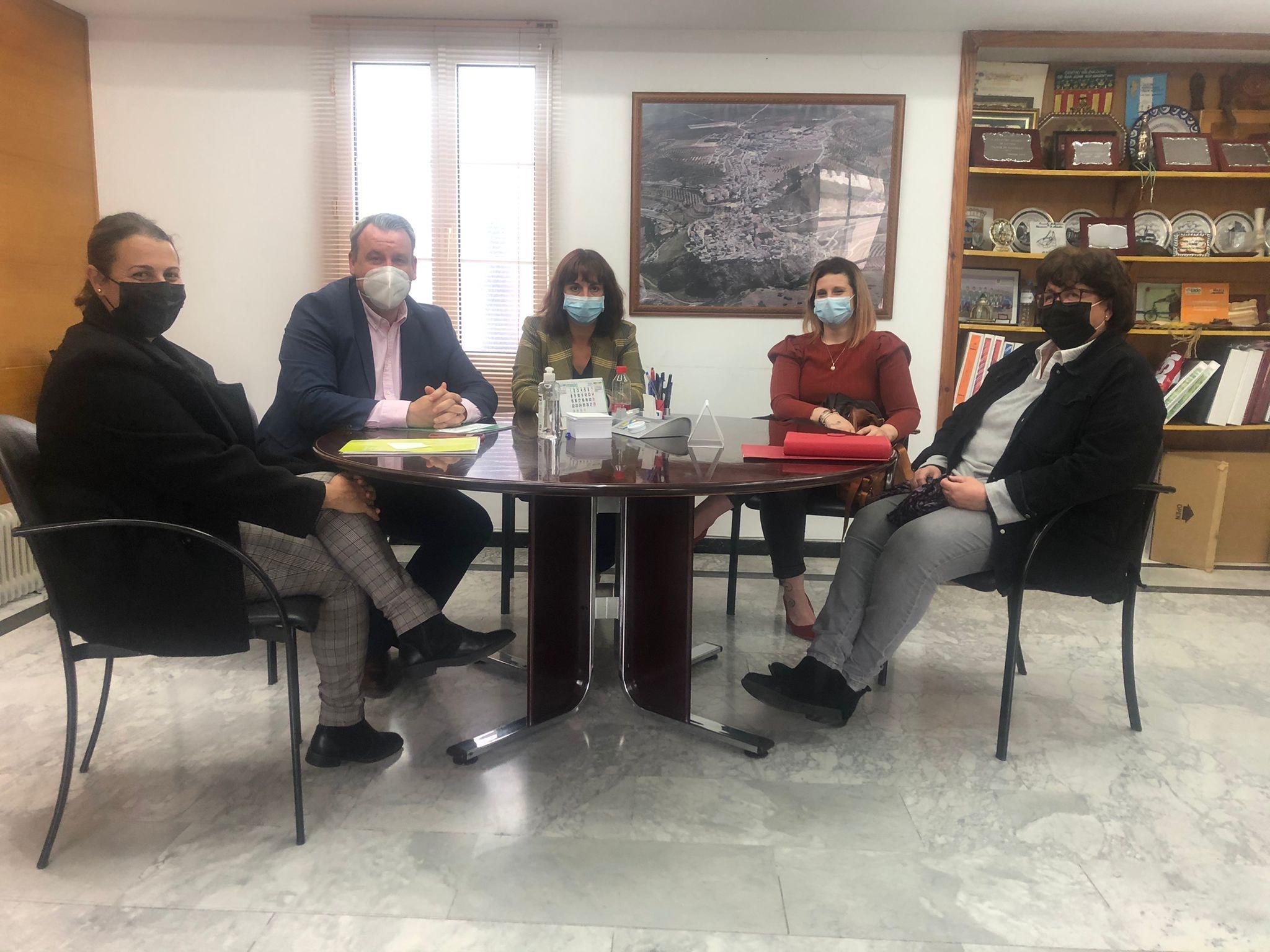 Diputación ha invertido 660.000 euros en programas sociales para Iznalloz y Domingo Pérez el pasado año