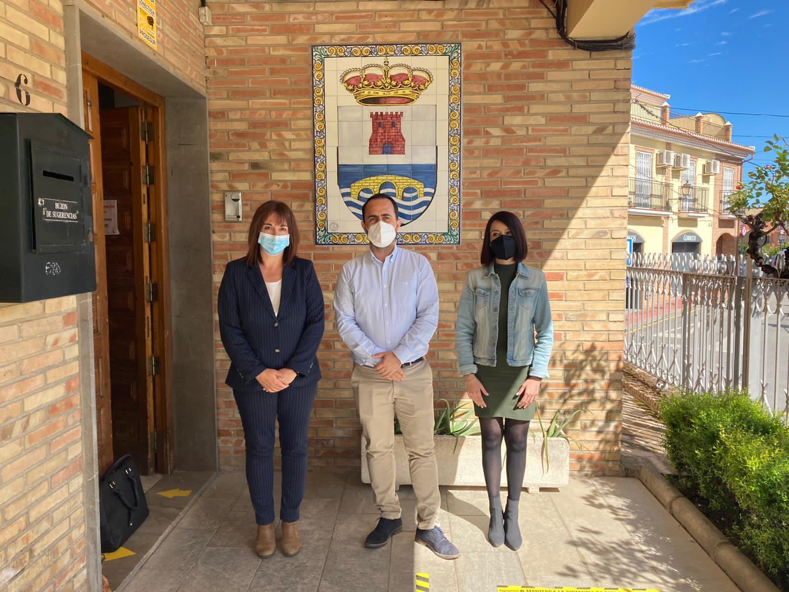 Diputación destina 95.000 euros a ayudas sociales a través de contratos de trabajo para personas vulnerables en Fuente Vaqueros y Pulianas