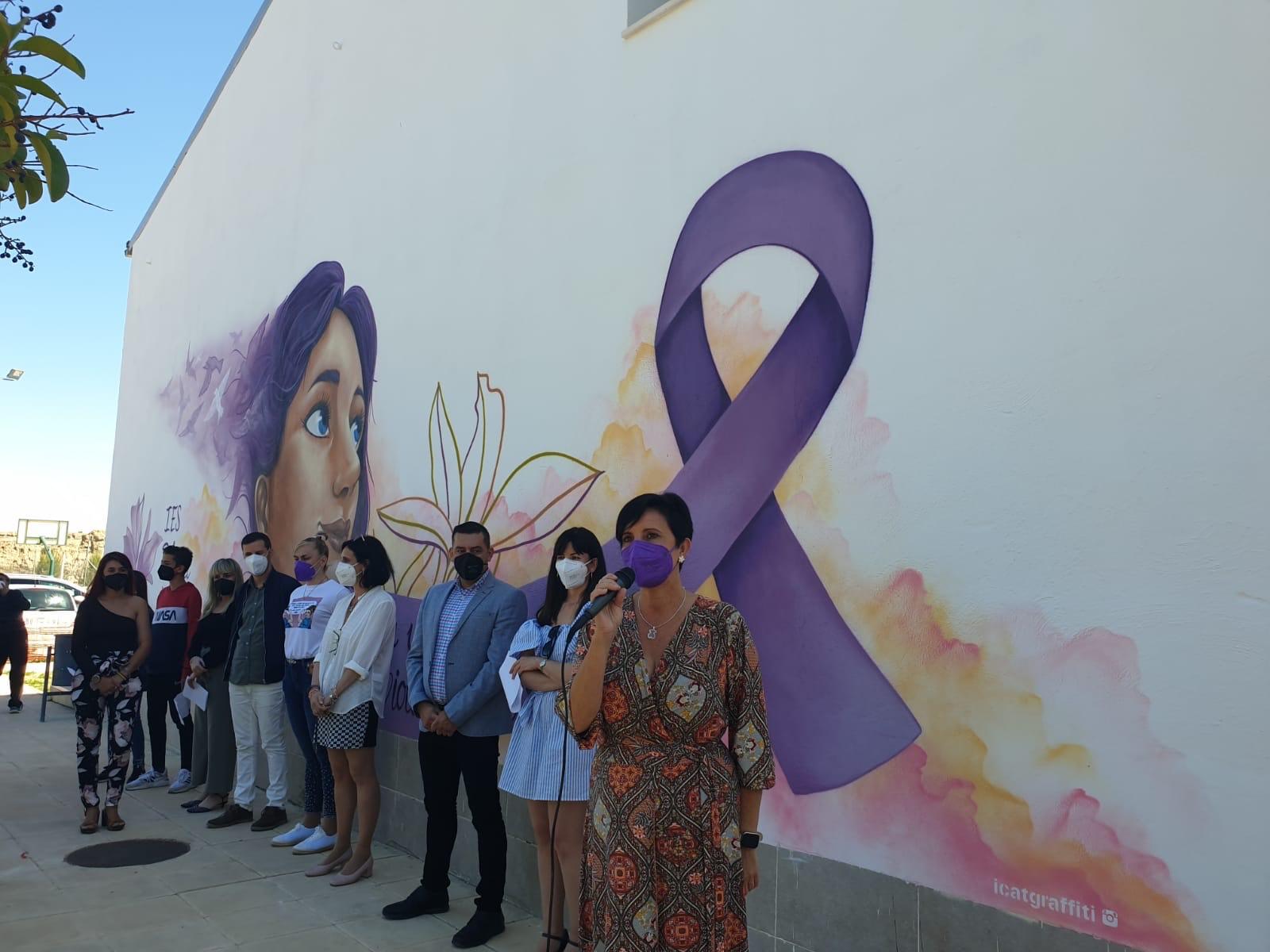 Un instituto de Purullena crea un mural contra de la violencia de género