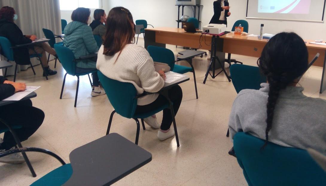 Jóvenes desempleados de Huétor Tájar mejorarán sus competencias digitales mediante un curso gratuito