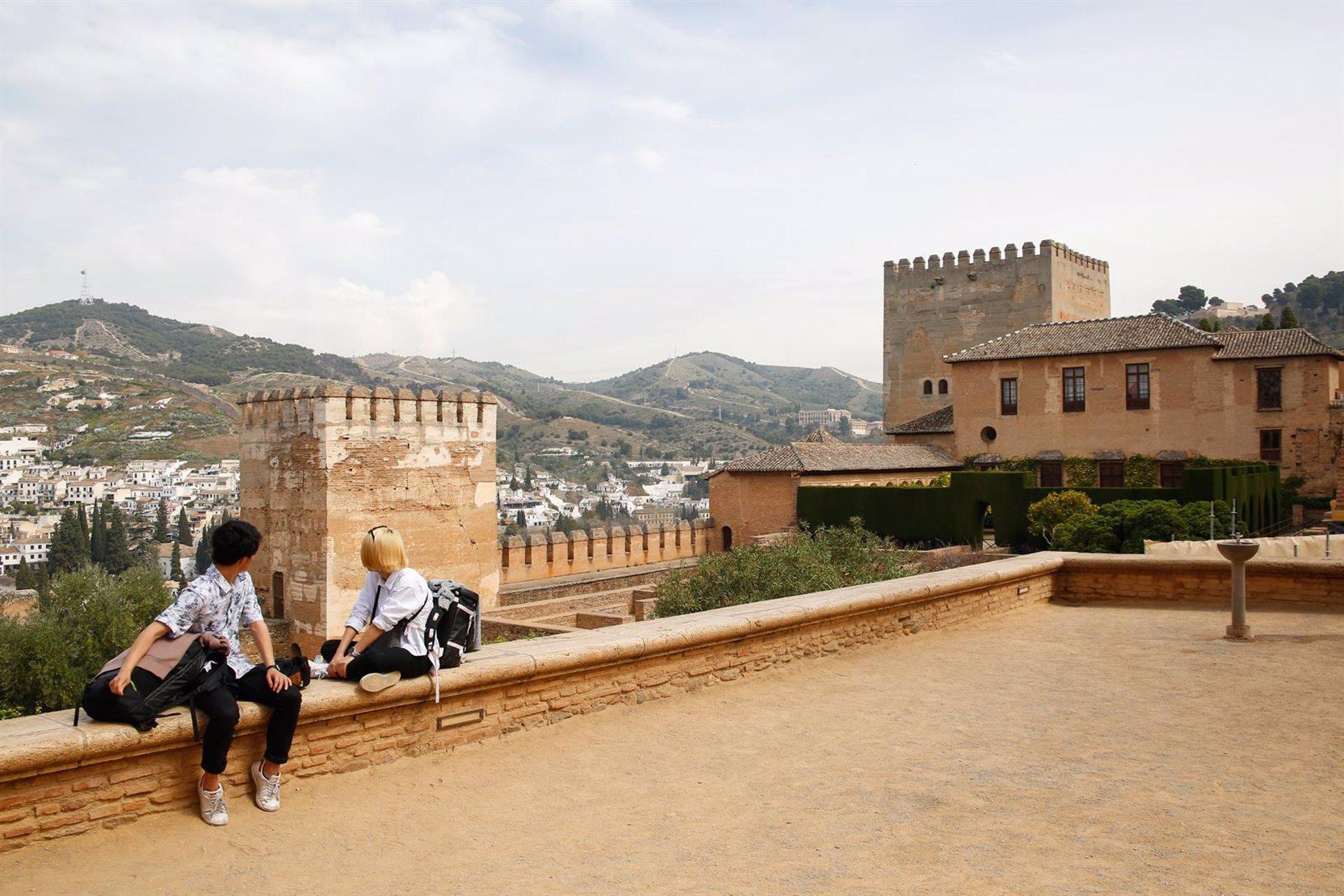 La Alhambra recupera las visitas nocturnas desde este martes