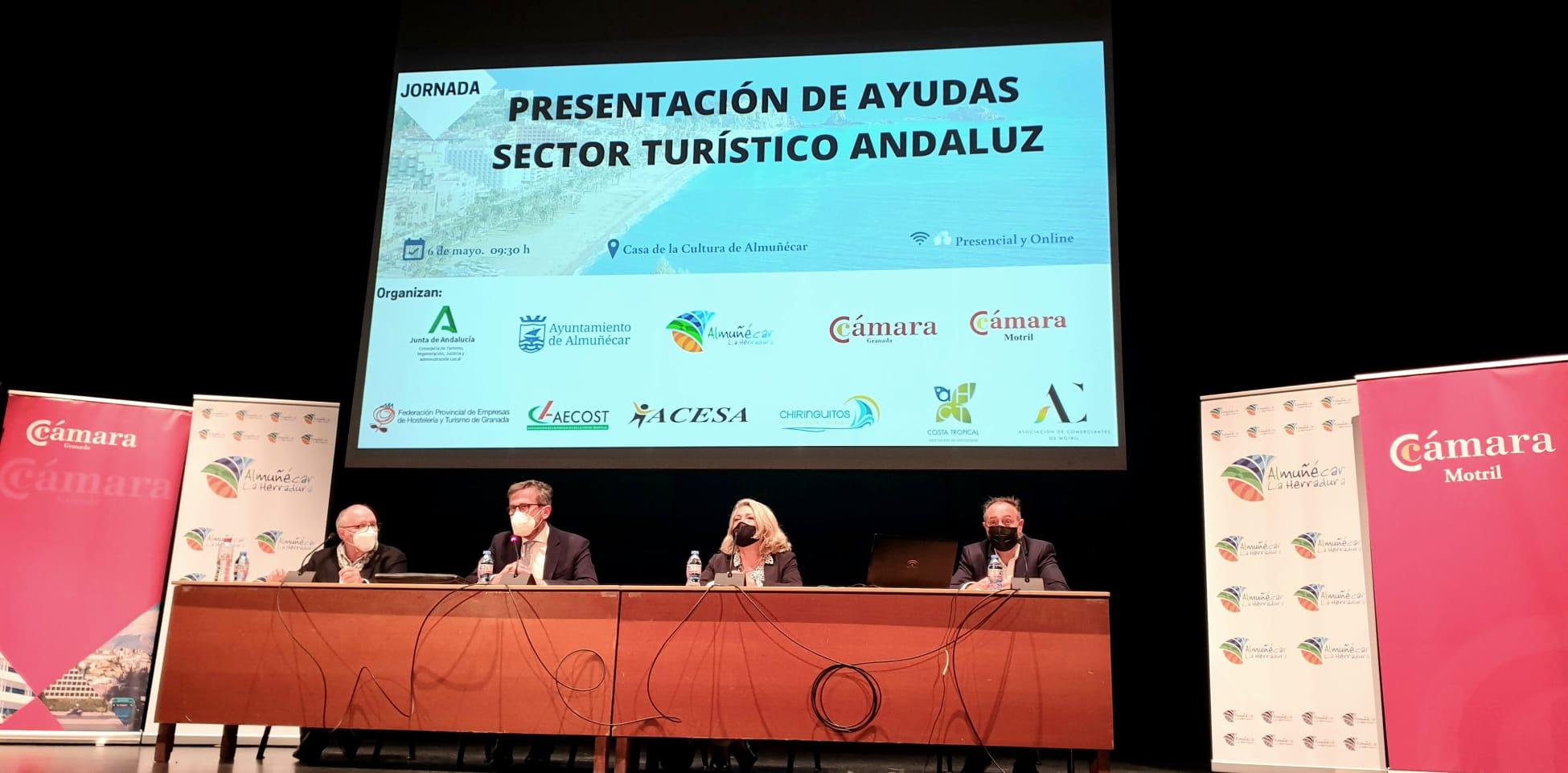La Junta presenta en Almuñecar la ayudas a empresas turísticas para mantener el empleo y la actividad