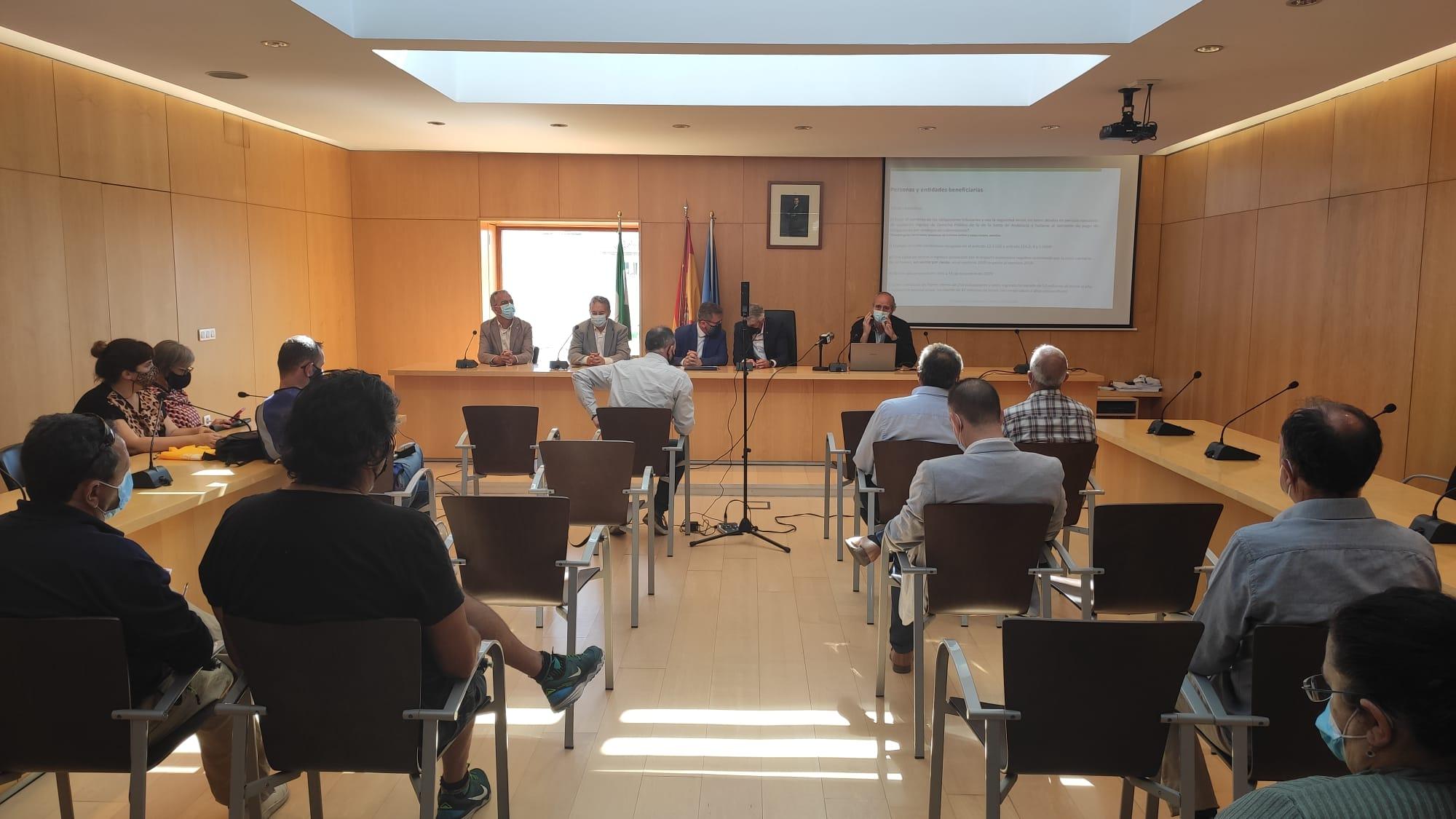 Más de 2.000 empresas turísticas de Granada podrán beneficiarse de las ayudas al sector, según la Junta