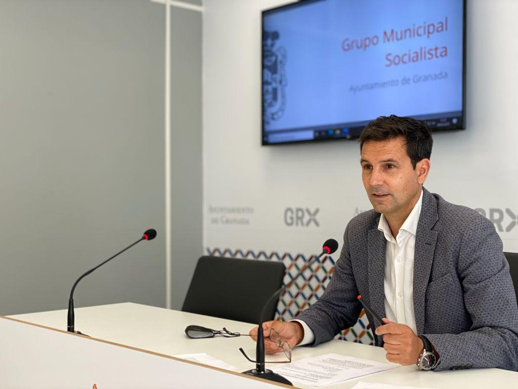 Cuenca exige a la Junta el mismo trato para la Feria del Libro de Granada que da a la de Sevilla