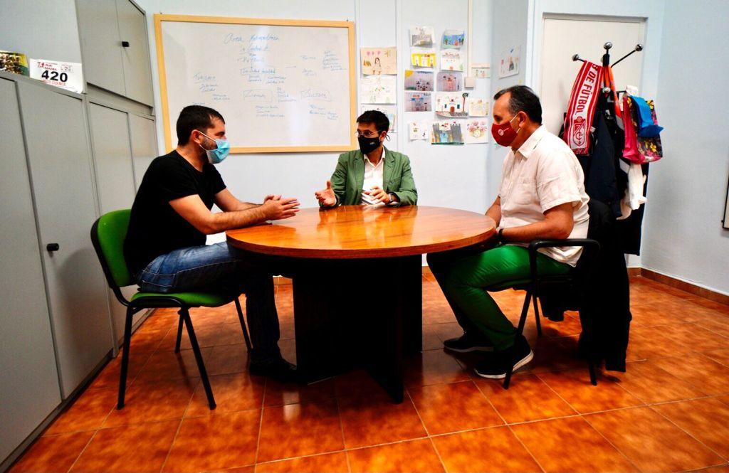Paco Cuenca inicia una ronda de contactos con agentes sociales, económicos y sindicales para abordar la crisis  en el ayuntamiento