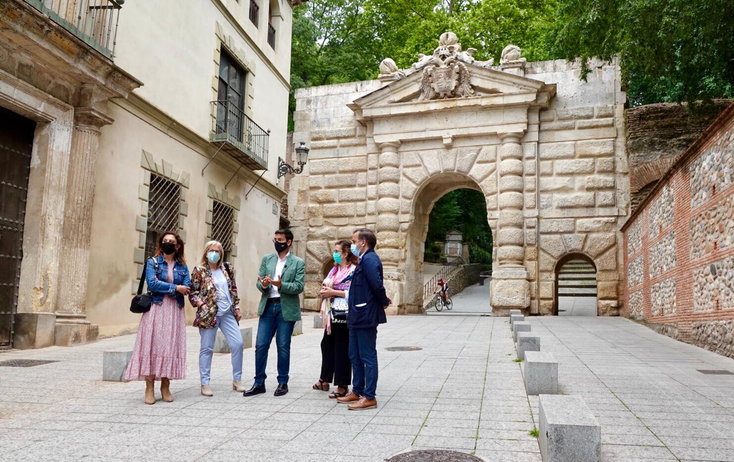 Cuenca acusa a la Junta de arrasar las cuentas de la Alhambra y exige que se inviertan los 27 millones comprometidos para Granada