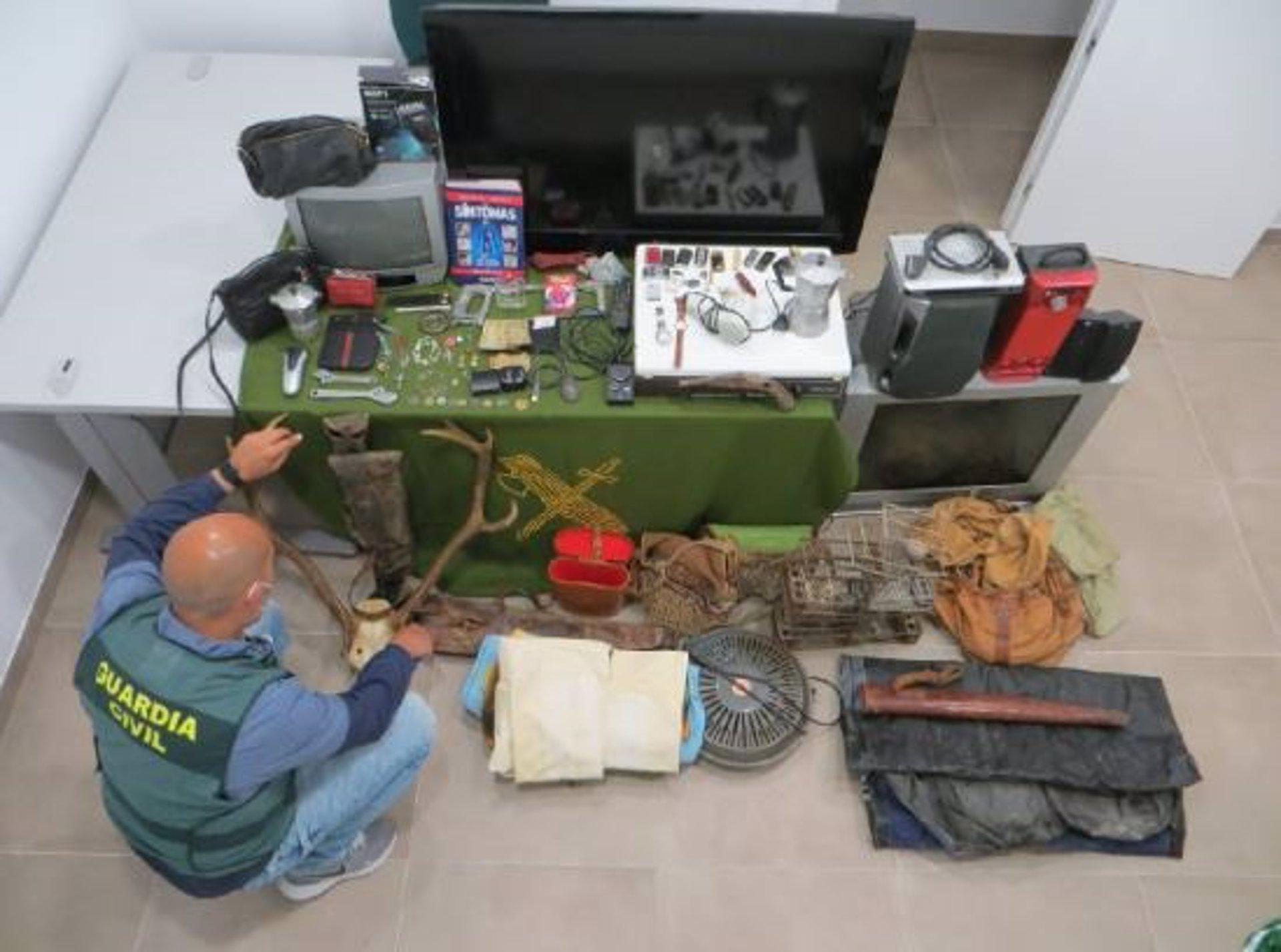 Detenido un menor como presunto autor de al menos veinte robos con fuerza en Montefrío