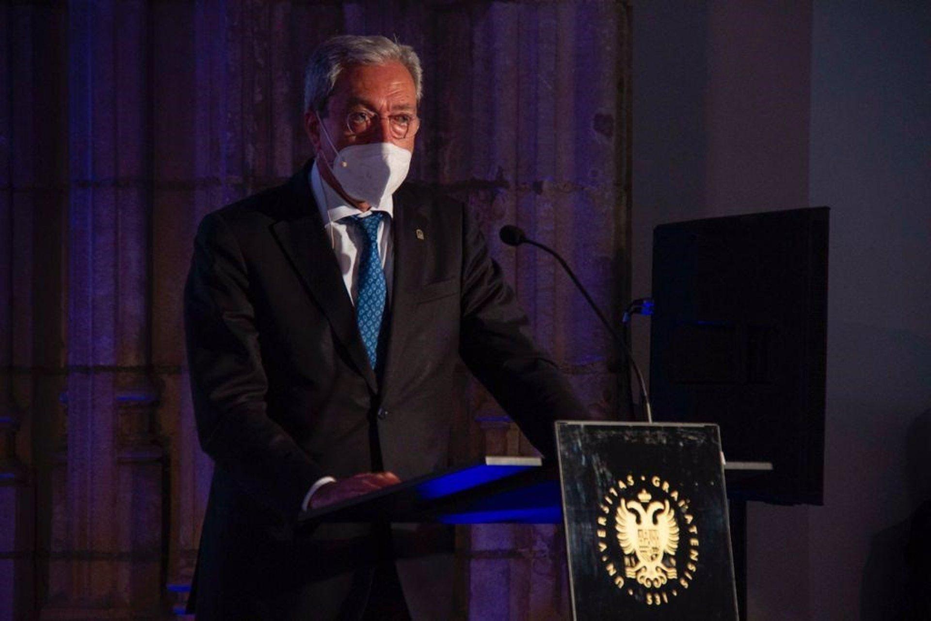 Velasco destaca consolidación de Granada como referente del conocimiento y la investigación en salud