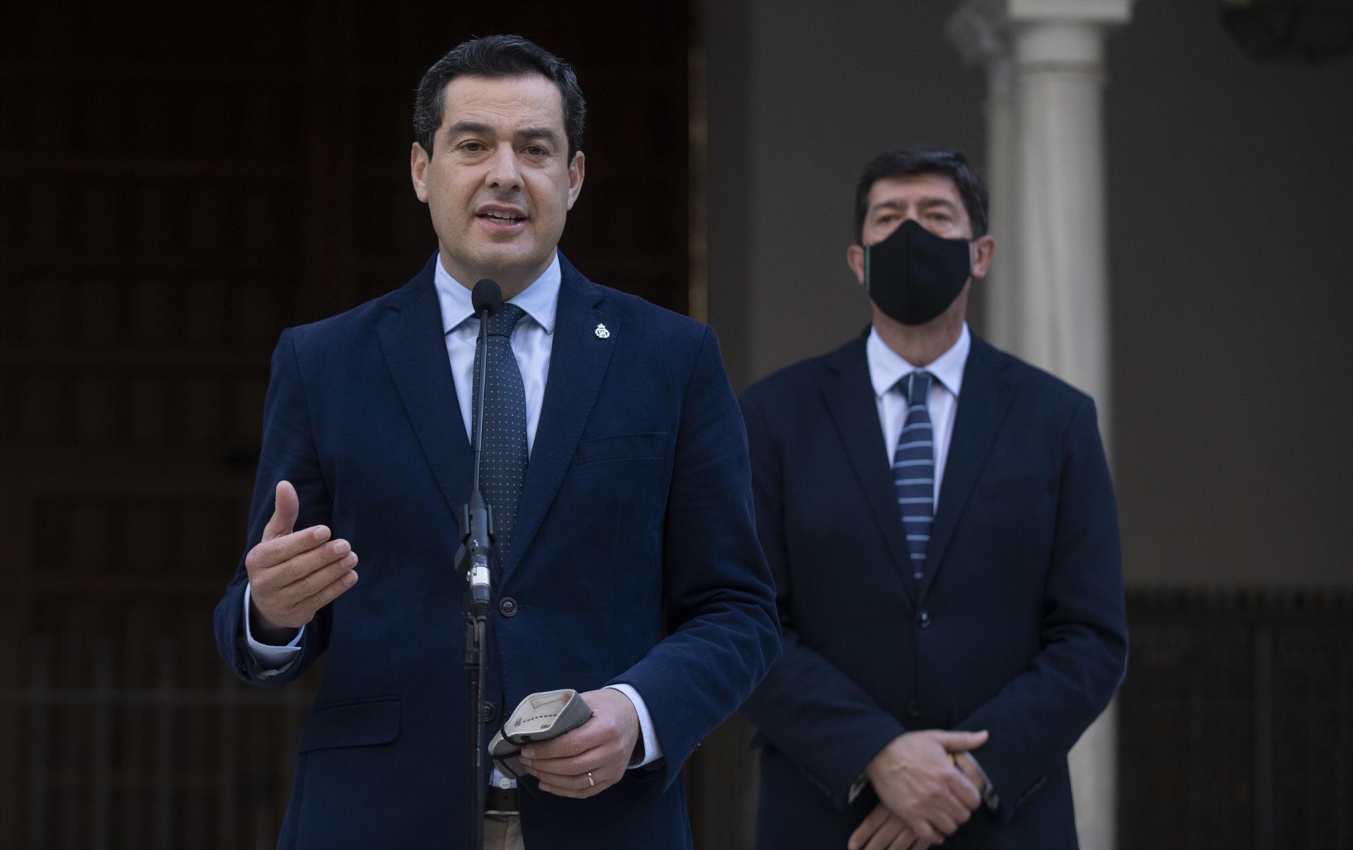 Moreno y Marín piden al Gobierno una respuesta «urgente y coordinada» al aumento de la presión en la frontera de Ceuta