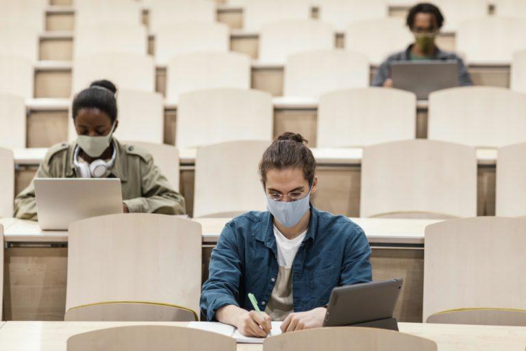 Crue se coordina con el Ministerio de Universidades para garantizar el éxito y las condiciones de seguridad sanitaria de los exámenes presenciales