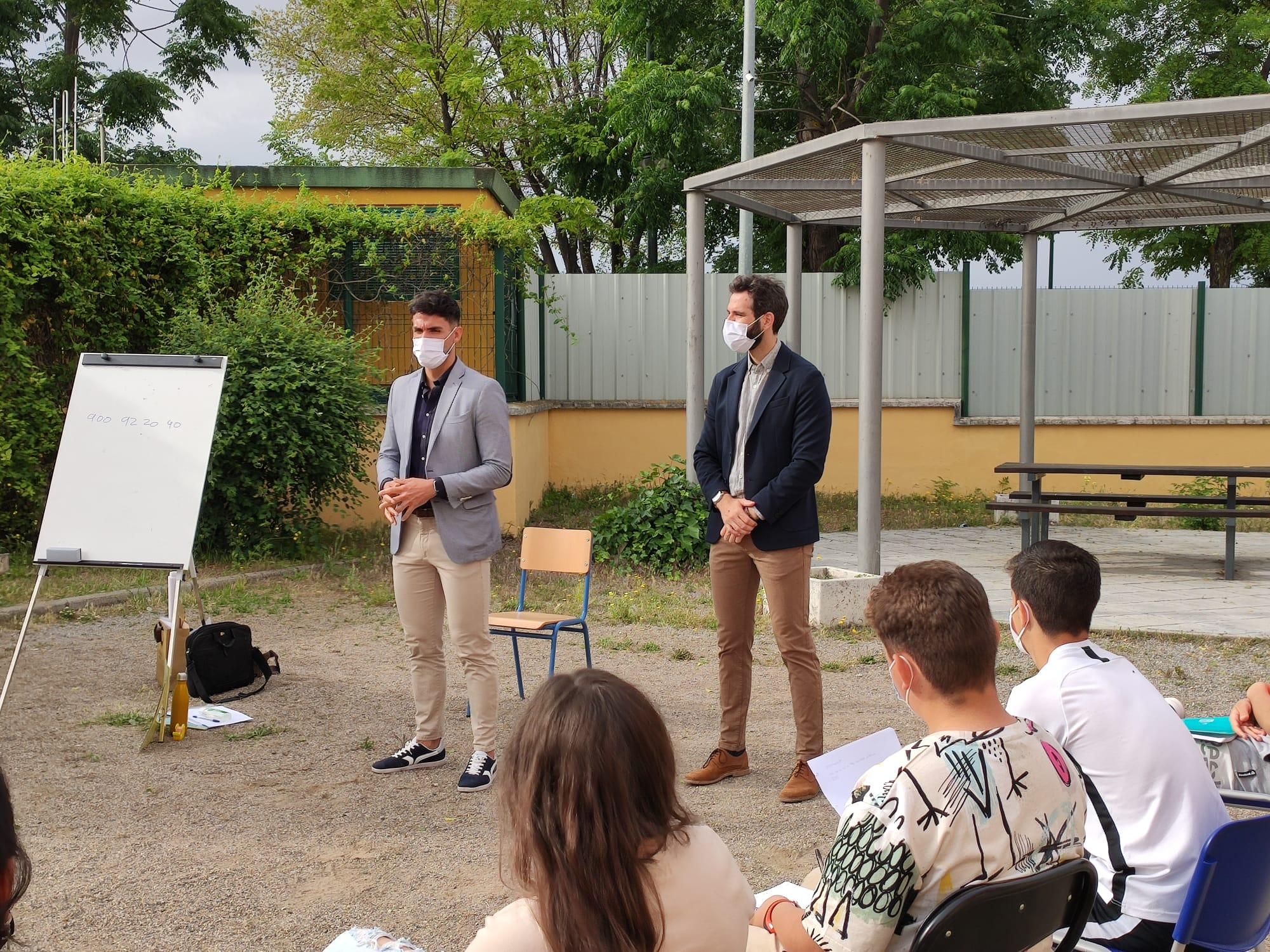 Educación y Deporte y el IAJ participan en los talleres del programa Forma Joven en el ámbito educativo