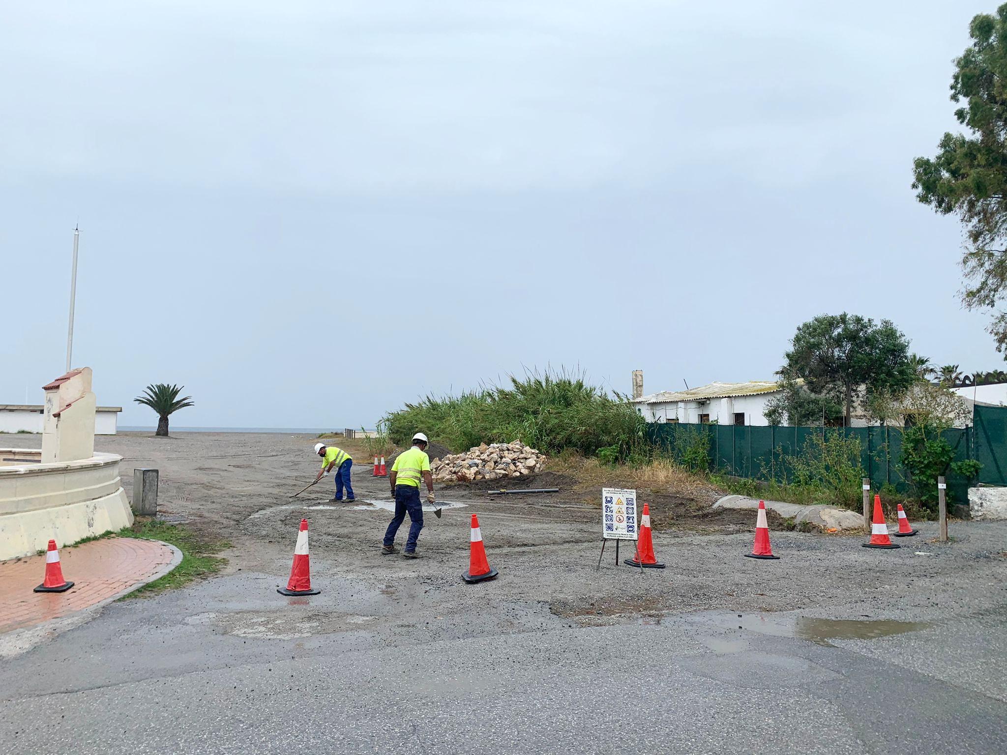 Empresarios de las playas de Granada piden una solución urgente al cierre rodado de las playas de Poniente y El Cable en Motril