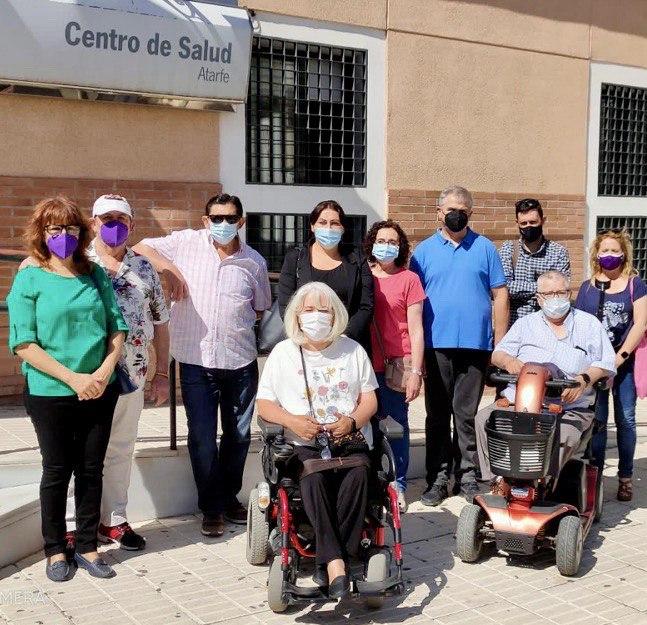 Piden a la Junta eliminar las barreras arquitectónicas del Centro de Salud de Atarfe para hacerlo más accesible