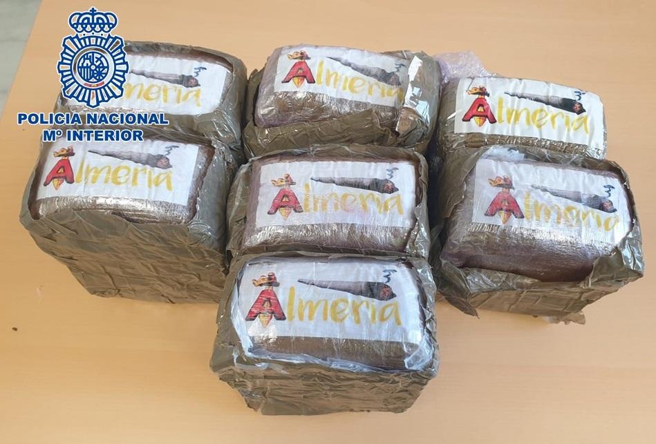 Detenido con más de 3,5 kilos de resina de hachís escondidos en la rueda de repuesto