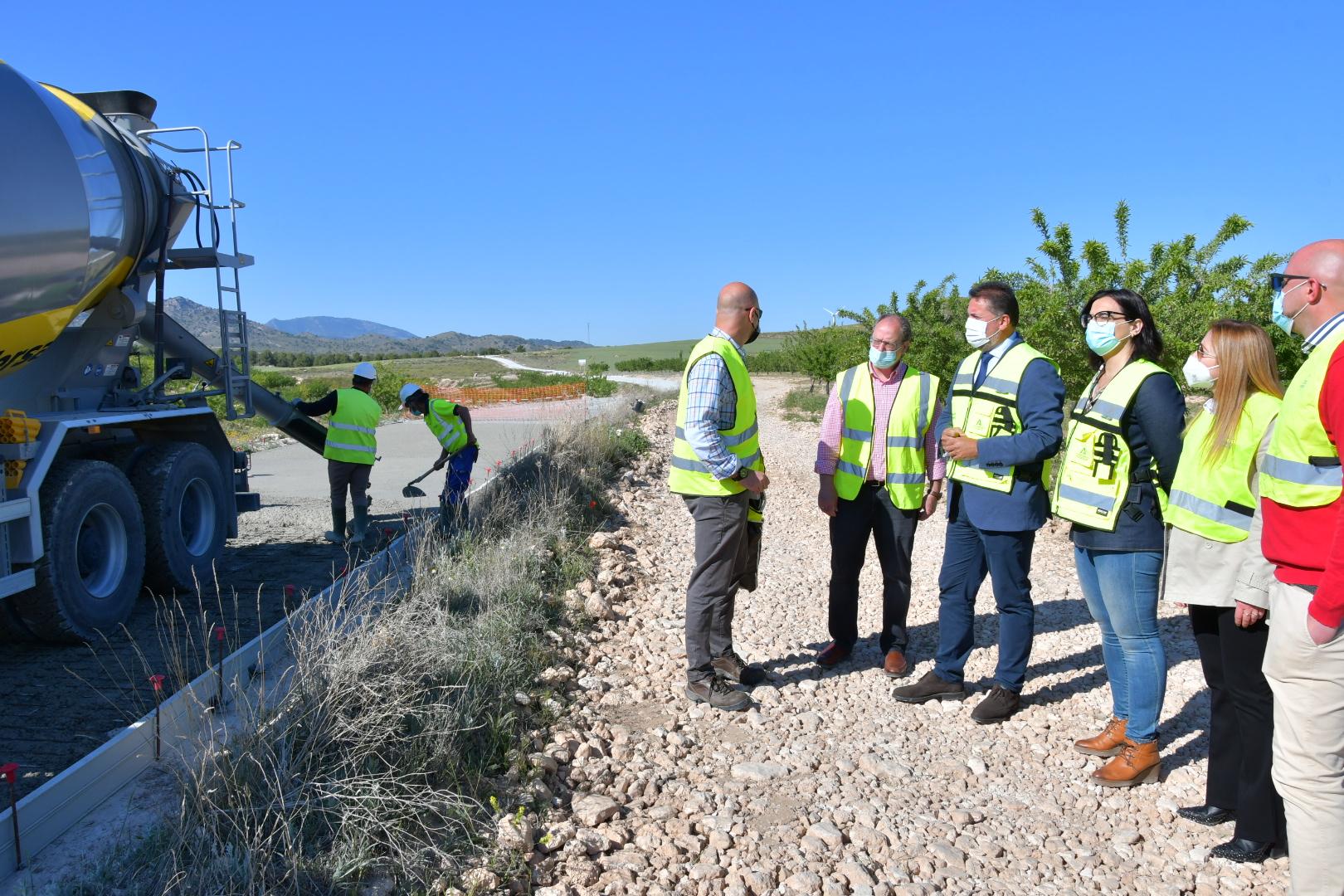 La Junta acondiciona la vía pecuaria del Camino Real de Lorca en Baza como infraestructura de uso público