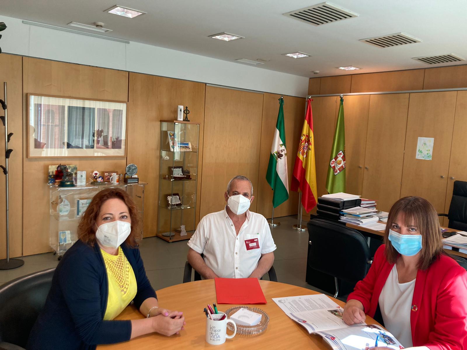"""Diputación estrecha lazos con la Asociación de Amistad y Cooperación con Cuba, """"La Gran Piedra"""""""