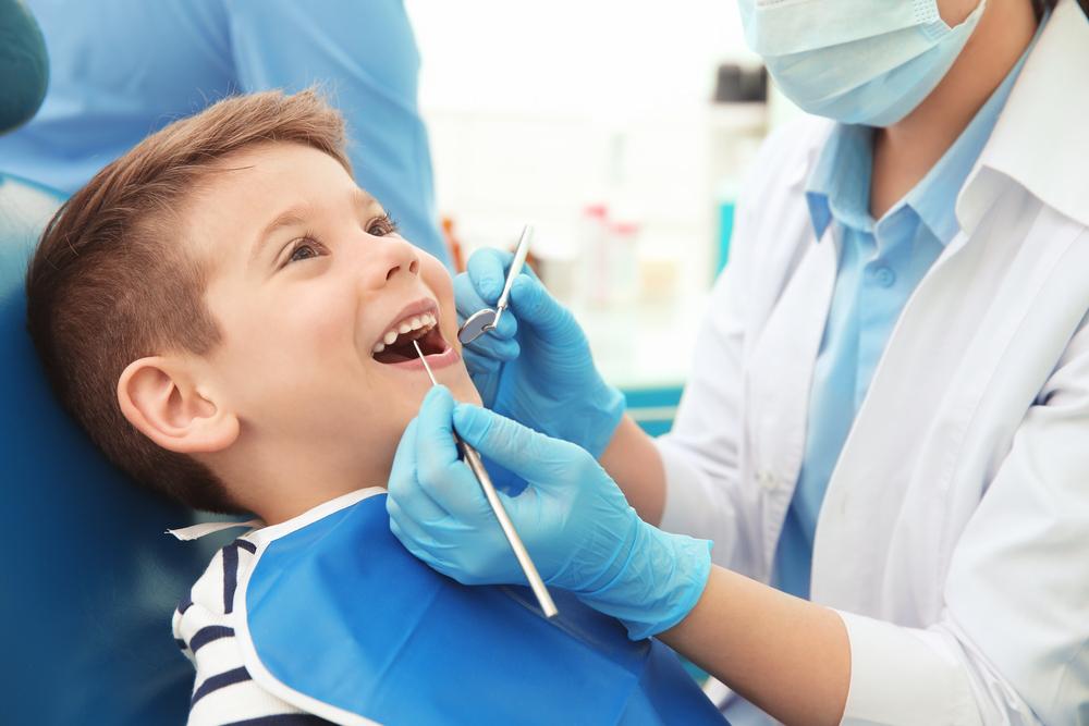 La Facultad de Odontología de la UGR ofrece revisiones dentales gratuitas para pacientes pediátricos