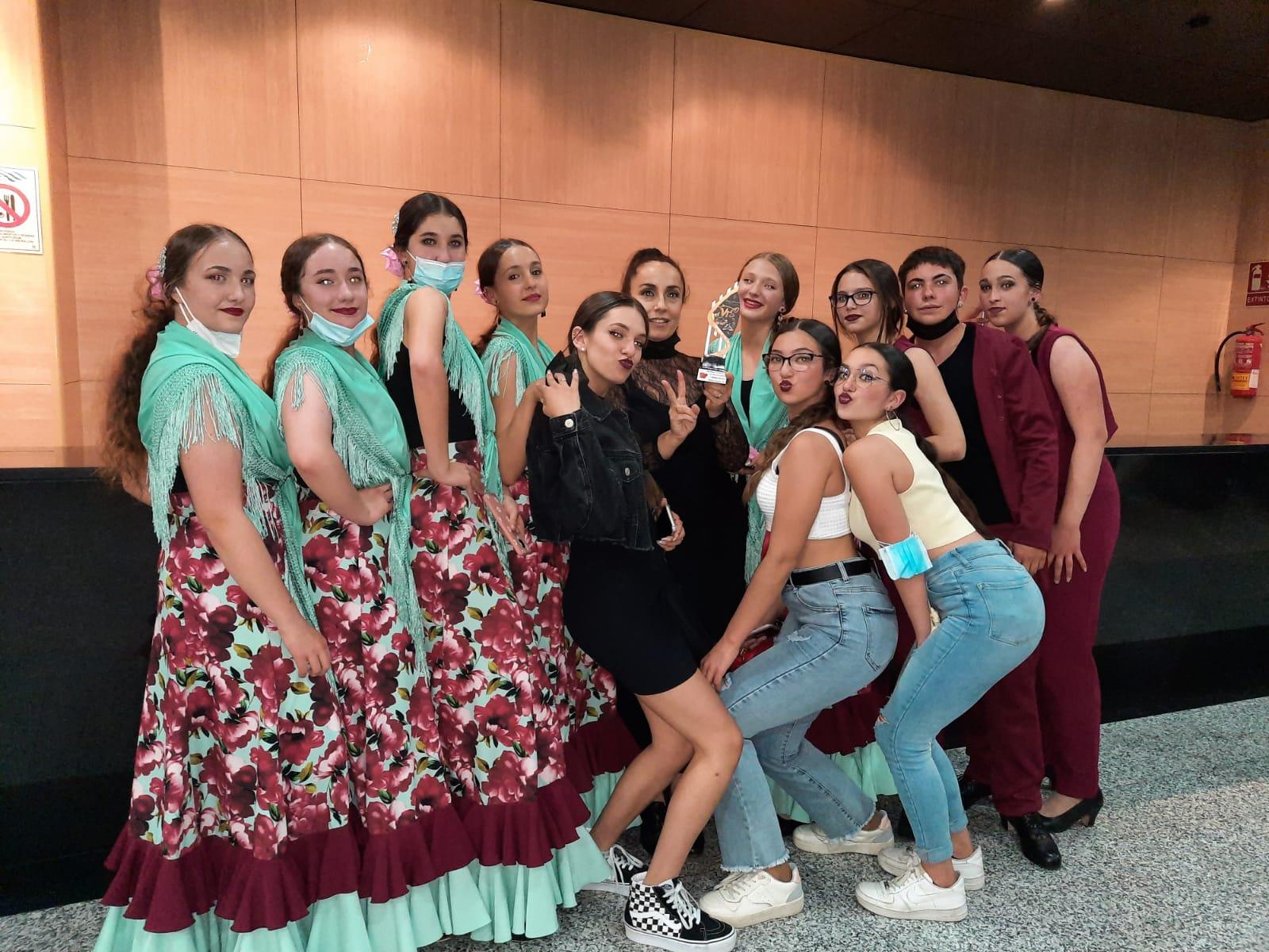 Dos grupos de Huétor Tájar representarán a Granada en la final nacional del concurso de baile 'Vive tu sueño'
