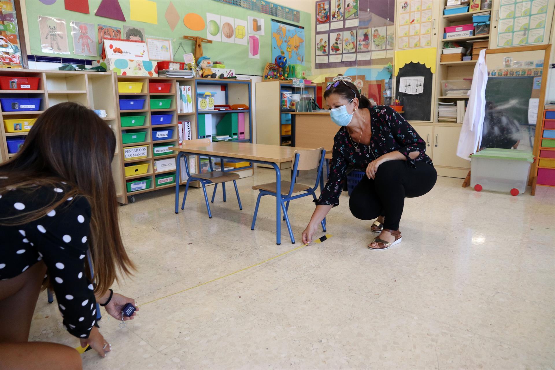 El Gobierno propone mantener mascarillas y 'grupos burbuja' el próximo curso escolar y reducir distancia a 1,2 metros