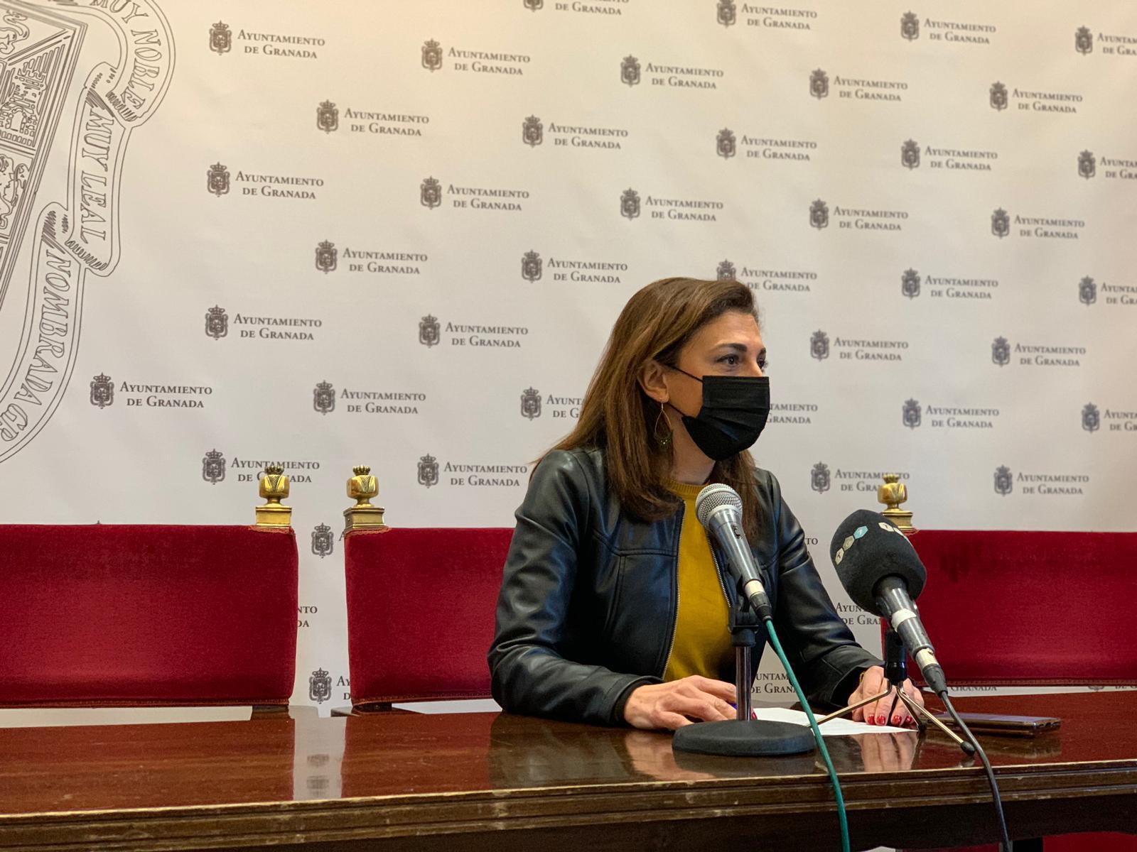 El PSOE pide que se refuerce durante el fin de semana la policía para controlar los botellones