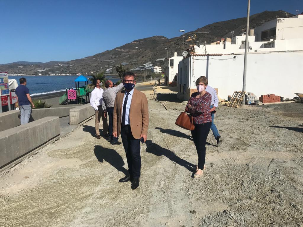 Mejoran con 250.000 euros las playas de Sorvilán
