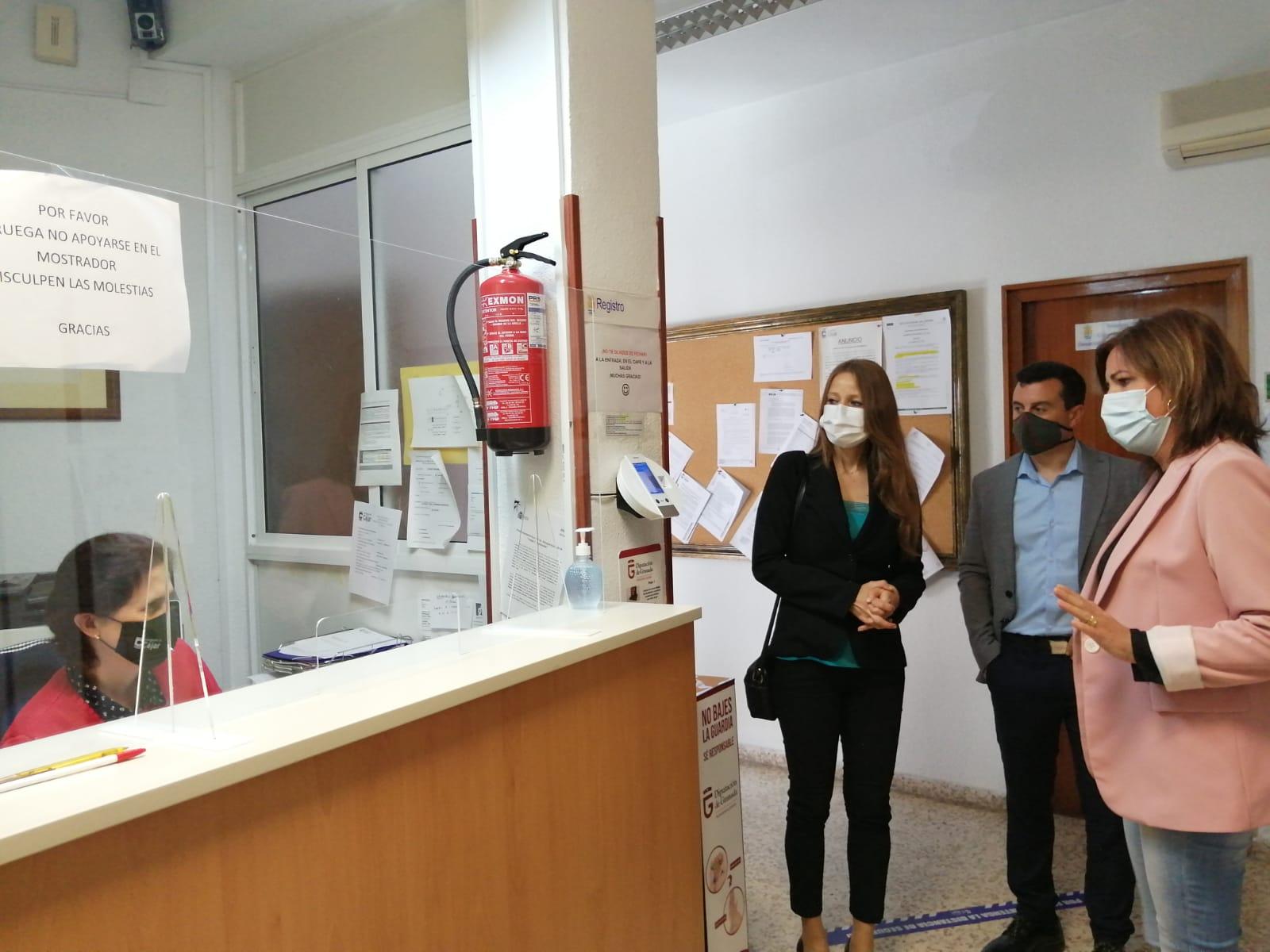 Junta y Ayuntamiento de Cájar analizan las necesidades formativas de las personas desempleadas