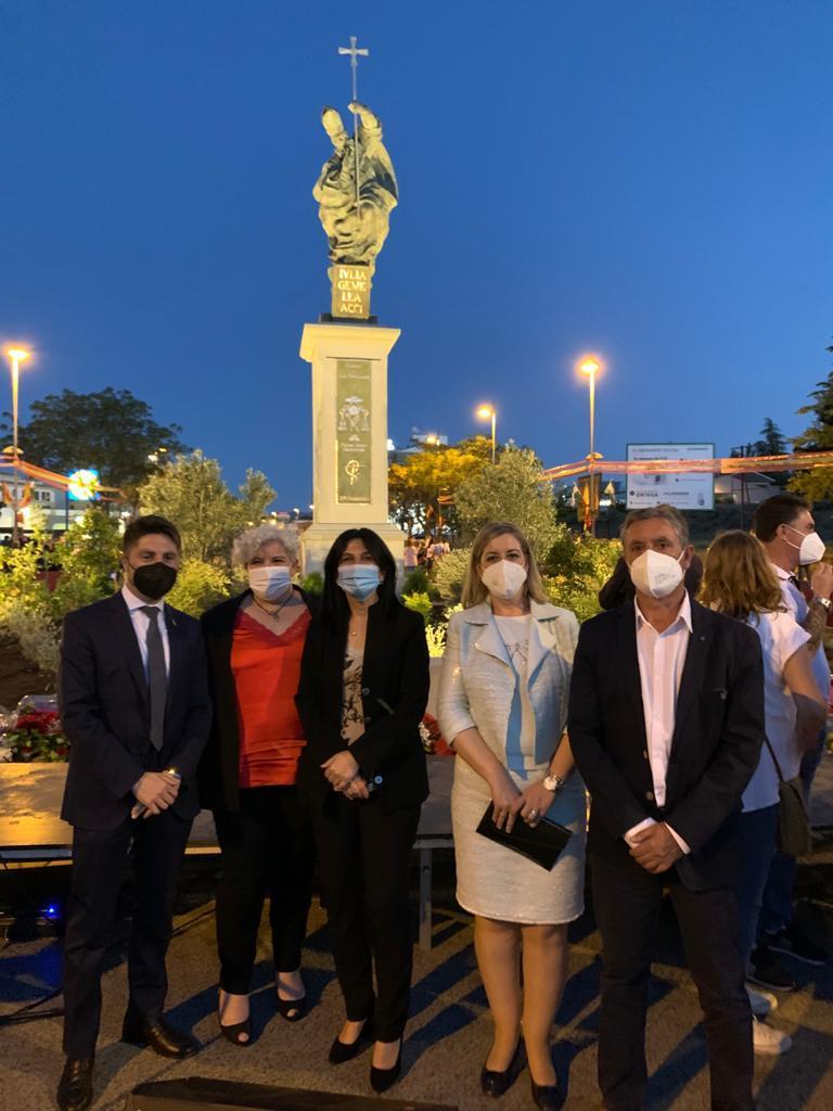 El PSOE de Guadix felicita a la Plataforma 'Monumento San Torcuato' tras la inauguración de la escultura