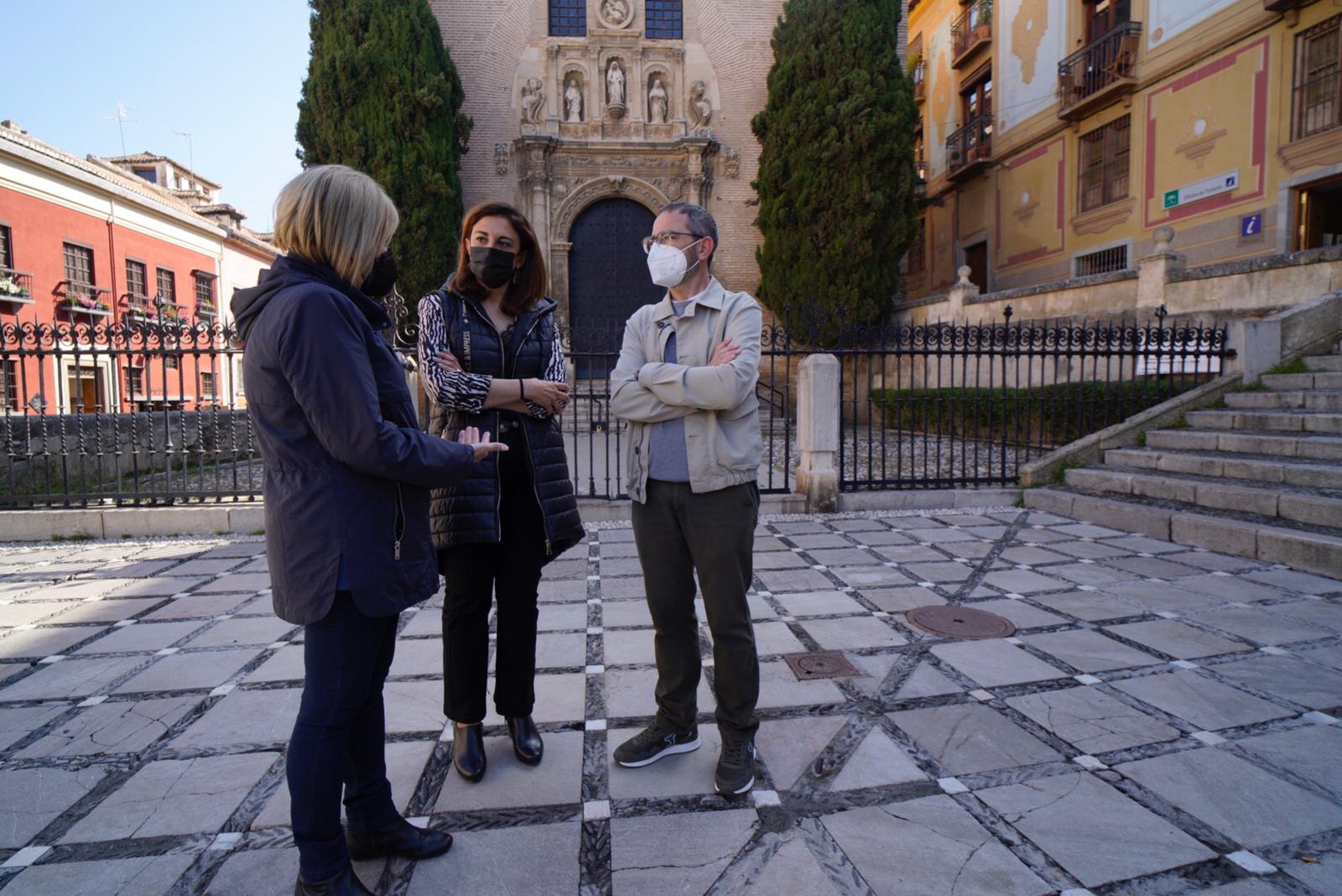 El botellón ha vuelto a las calles de Granada «por la parálisis del PP», según denuncia el PSOE