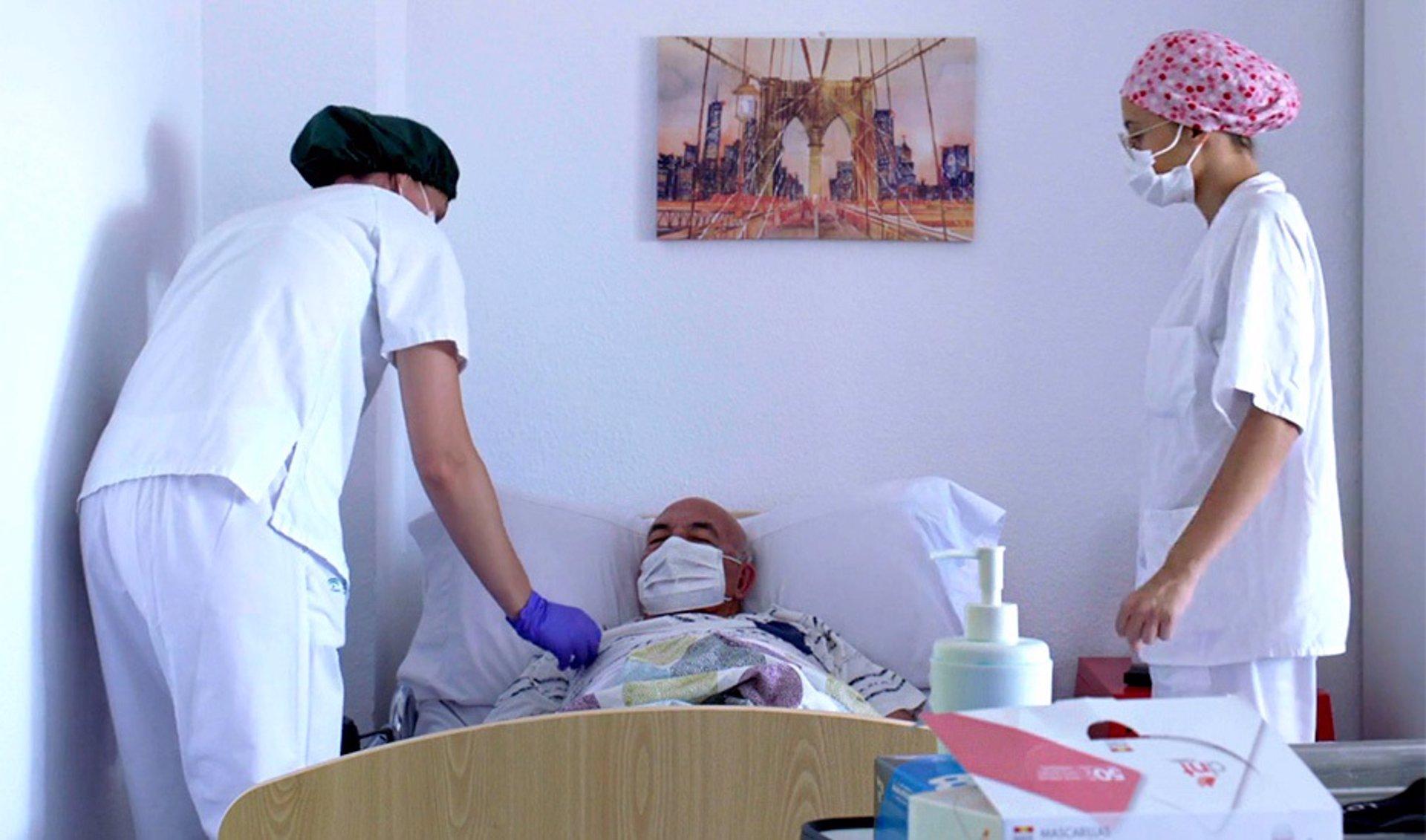 """CSIF rechaza la creación de la categoría de gerocultor en las residencias de mayores porque sería un """"agravio"""" para los auxiliares de enfermería"""