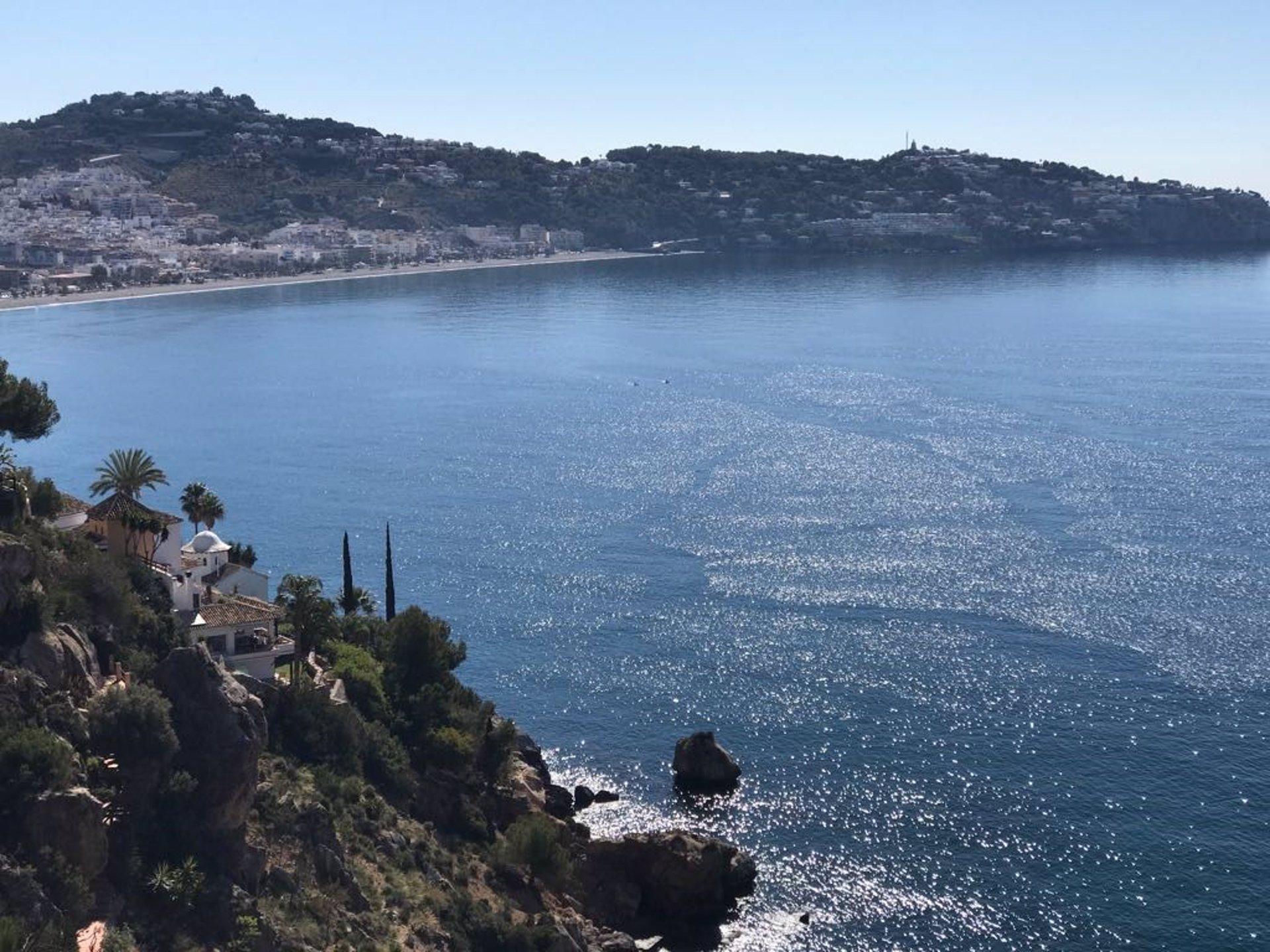 La costa encara el fin de semana con lleno técnico, a la espera de la reapertura de grandes hoteles